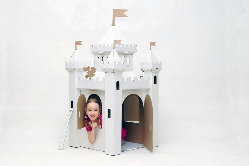 Замок сказочный из картона