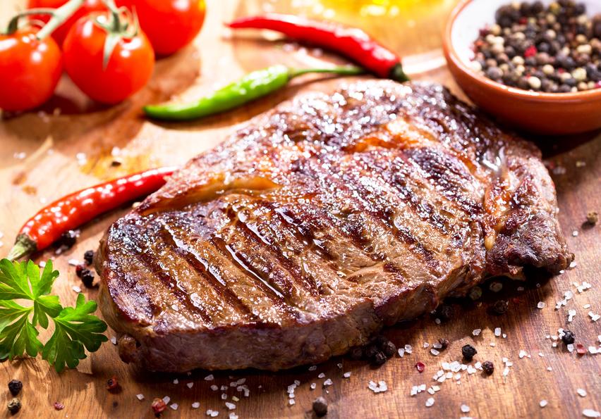 Как пожарить стейк свинины на сковороде гриль