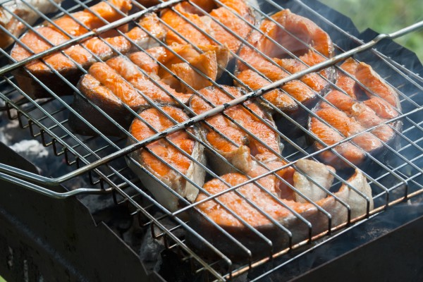 Как приготовить рыбу на решетке мангала