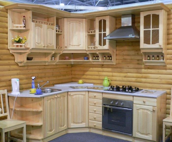 Деревянная кухня на дачу
