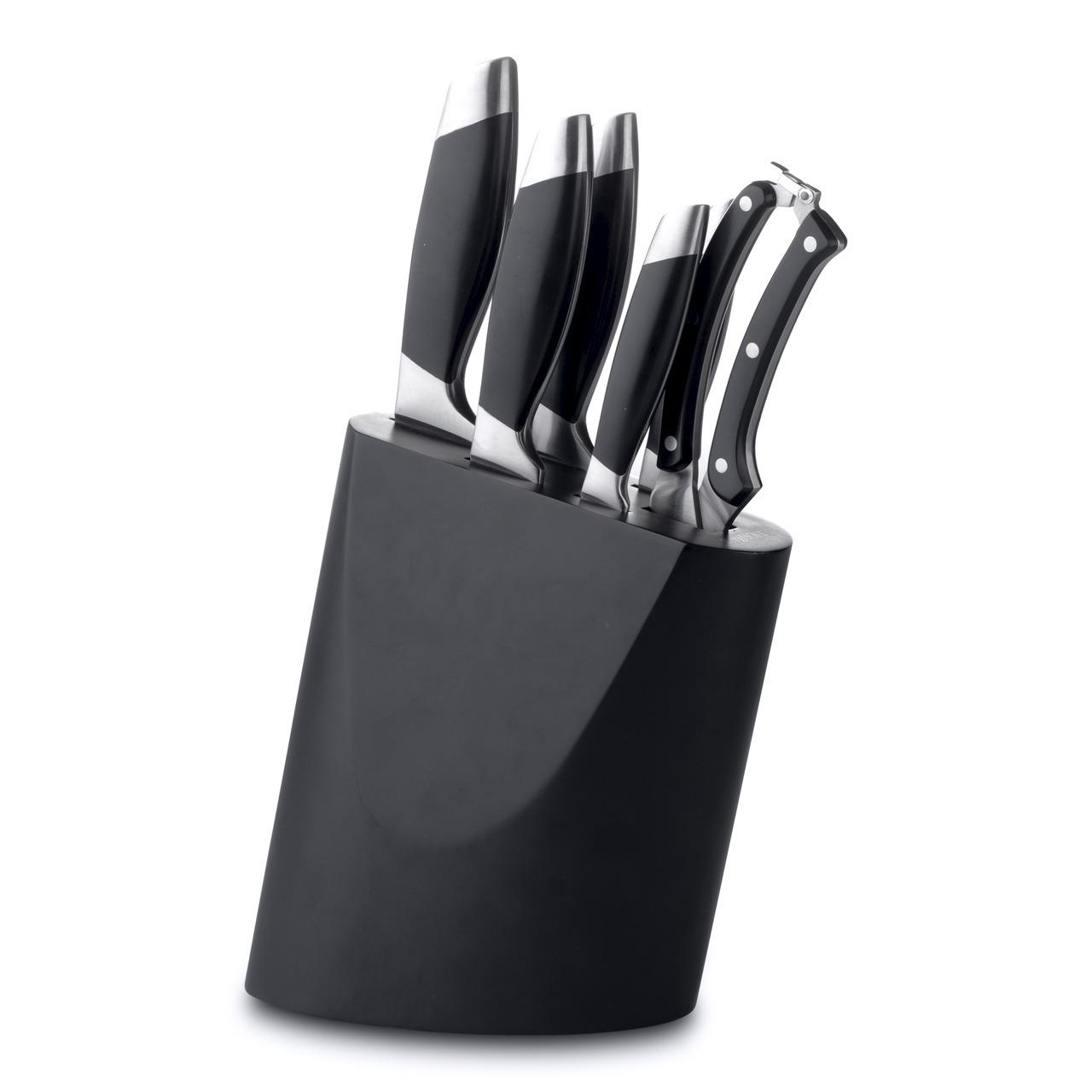 Набор ножей из 7 предметов BergHOFF Geminis 1307138Наборы однослойных ножей (от-2300руб.)<br>Набор ножей из 7 предметов BergHOFF Geminis 1307138<br><br>Состав набора:1 x нож для очистки 8,5 cm1 x универсальный нож 12,5 cm1 x нож для мяса 20 cm1 x поварской нож 20 cm1 x нож для хлеба 20 cm1 x ножницы для разделки птицы1 x деревянная колода<br><br>Универсальный набор ножей для всех кулинарных задач.Колода удобно сохраняет все ножи безопасным образом. Нескользящая платформа обеспечивает дополнительную устойчивость.<br>Нож для очистки - маленький и легкий, с прямой режущей кромкой. Это по-настоящему универсальный нож, идеальный для очистки и других мелких работ. Часто используется для очистки фруктов и овощей, которые можно держать в руках.<br>Универсальный нож идеален для всех нарезочных работ, требующих точности.<br>С помощью ножа для мяса легко нарезать мясо тонкими ломтиками. Часто используется в комбинации с вилкой для мяса, с помощью которой можно удерживать кусок во время нарезания. Поварской нож - самый используемый на кухне. Загнутое кверху лезвие позволяет раскачивать нож во время нарезки на разделочной доске. Благодаря широкому и тяжелому лезвию также подходит для легких разрубочных работ.<br>Нож для хлеба - большой нож с зубчатым лезвием. Используется для нарезания продуктов, твердых снаружи и мягких внутри, таких как хлеб и другая выпечка. Также может использоваться для нарезания томатов. Ножницы для разделки птицы специально разработаны, чтобы прорезать кости, куриную кожу и другие жесткие материалы. Они могут быть использованы как обычные кухонные ножницы, подходящие для целого круга более трудных кухонных нарезочных работ. Тяжелая кованая шейка обеспечивает идеальный баланс и безопасность для рук. Ручка, разработанная для безопасного захвата, изготовлена из синтетического материала, известного своей твердостью и прочностью.Заточены вручную.<br>Высококачественные инструменты, долго сохраняющие остроту и простые в уходе.<br>Официальный продавец BergHOFF<br