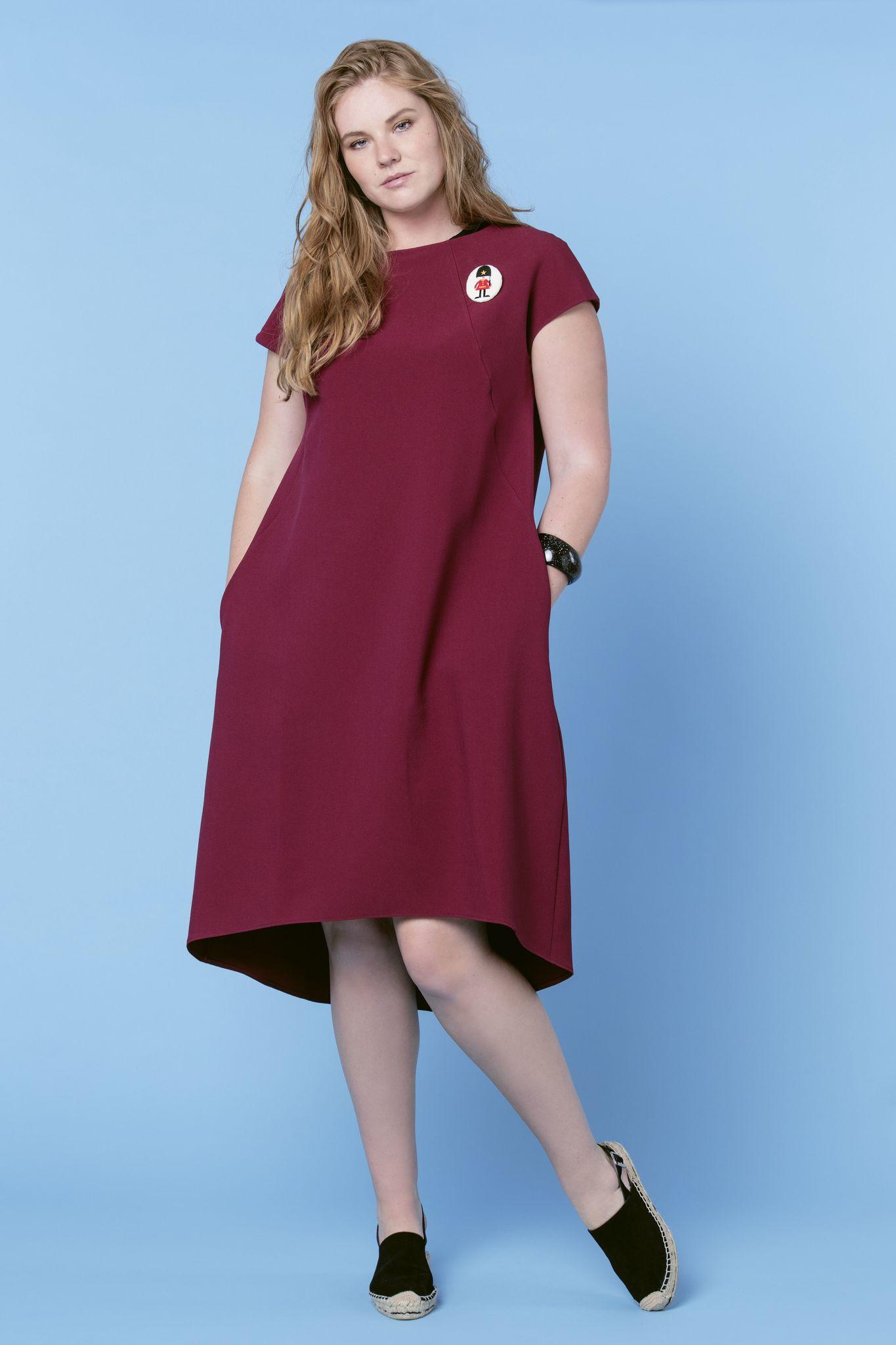 Платье NY D8 MAN08ФИНАЛЬНАЯ РАСПРОДАЖА<br>Прекрасное нарядное платье с пуговицами на спине. Универсальное и стильное, идеально для вечеринки и офиса. Плотная формодержащая ткань и карманы делают его не только нарядным, но и по-настоящему комфортным и носким. Разноуровневая линия низа и пуговицы на спине- добавляют образу игривости и романтичности.Рекомендуем для праздника, можно добавить аксессуары.<br>