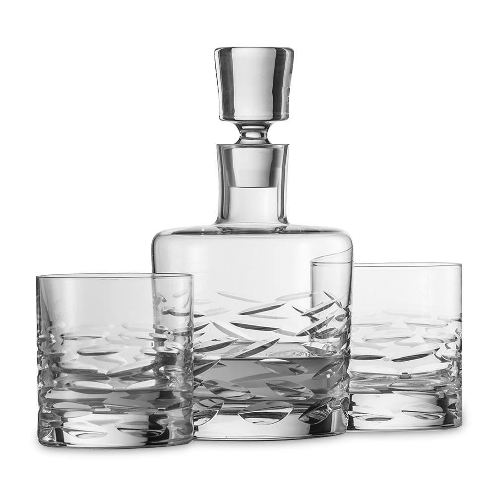 Набор для виски (2 стакана и графин) SCHOTT ZWIESEL Basic Bar Classic арт. 120 147Бокалы и стаканы<br>Набор для виски (2 стакана и графин) SCHOTT ZWIESEL Basic Bar Classic арт.120 147<br><br>вид упаковки: подарочнаявысота (см): 21.5диаметр (см): 11.8материал: хрустальное стеклоназначение: для вискиобъем (мл): 750предметов в наборе (штук): 3страна: Германия<br>