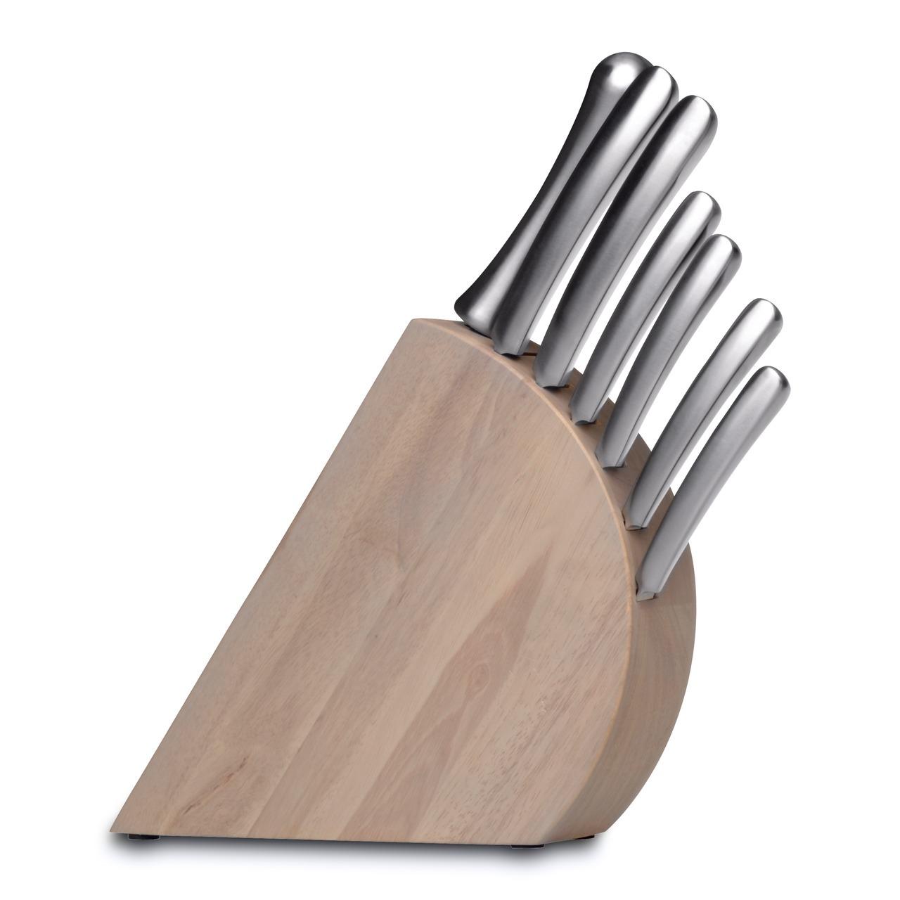 Набор ножей из 8 предметов BergHOFF Concavo 1308036Наборы однослойных ножей (от-2300руб.)<br>Набор ножей из 8 предметов BergHOFF Concavo 1308036<br><br>Состав набора:1x нож для очистки 6,5 cm1x универсальный нож 12 cm1x универсальный нож 15 cm1x нож для выемки костей 15 cm1x поварской нож 23 cm1x нож для хлеба 23 cm1x мусат 23 cm1x деревянная колода<br><br>Универсальный набор ножей для всех кулинарных задач. Жароустойчива и пригодна для микроволновых печей. Нож для очистки имеет заостренную верхнюю часть кромки, изгибающуюся вниз при прямом лезвии. Используйте его для очистки овощей и фруктов, для удаления испорченных частей и нарезки декоративных украшений. Универсальный нож идеален для всех нарезочных работ, требующих точности. Нож для выемки костей имеет тонкое гибкое лезвие, которое позволяет ему работать в узких местах. Поварской нож - самый используемый на кухне. Загнутое кверху лезвие позволяет раскачивать нож во время нарезки на разделочной доске. Благодаря широкому и тяжелому лезвию также подходит для легких разрубочных работ.Нож для хлеба - большой нож с зубчатым лезвием. Используется для нарезания продуктов, твердых снаружи и мягких внутри, таких как хлеб и другая выпечка. Также может использоваться для нарезания томатов. Острый нож безопасней, поскольку не нужно применять силу для нарезки. Это необходимый инструмент, чтобы сохранять ваши ножи острыми.<br>Официальный продавец BergHOFF<br>