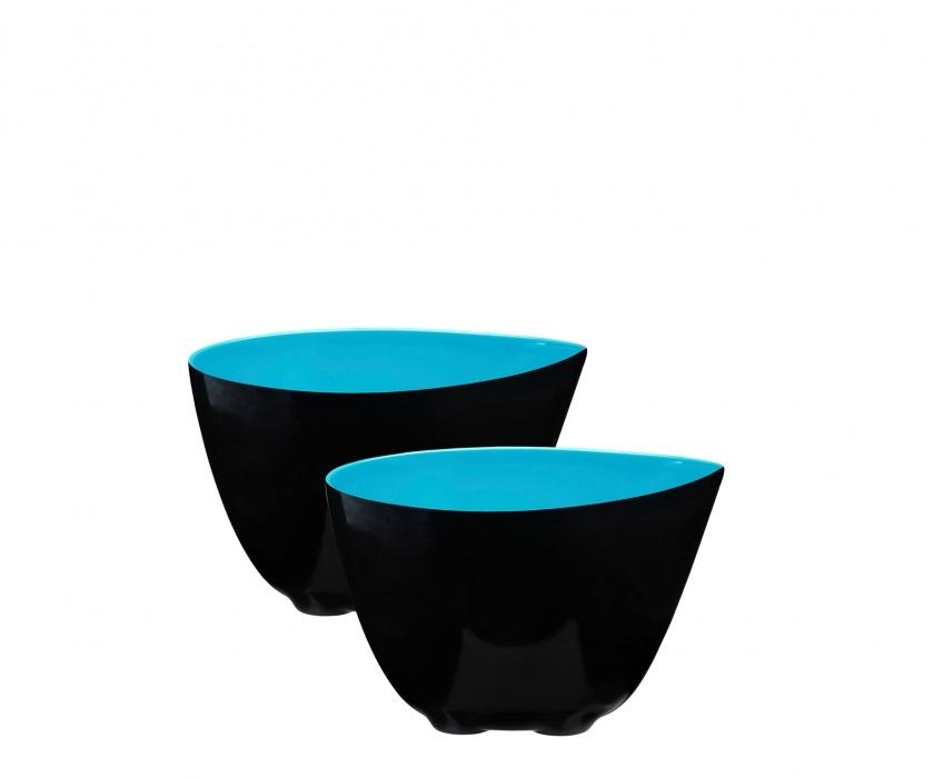 Набор из 2 мисок 0,35л ZONE GOURMET CONFETTI 321077Распродажа<br>Яркие бирюзовые чаши небольшого объема выполнены из очень прочного и легкого материала – меламина. Не бьется и не деформируется, а за счет удобных силиконовых ножек еще и не скользит на влажных и гладких поверхностях. Необычная форма с зауженным по одному краю носиком – специально для жидких блюд, напитков и воды. При переливании не будет ни брызг, ни луж.<br>