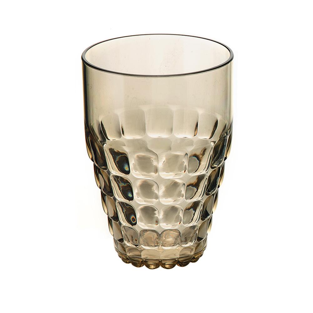 Бокал Guzzini Tiffany песочный 22570139Бокалы и стаканы<br>Бокал Guzzini Tiffany песочный 22570139<br><br>Легкий и яркий дизайн бокала Tiffany будто намекает на освежающие лимонады, бодрящие соки и цитрусовые коктейли. Отличается конической формой и прозрачным материалом, который придает бокалу характерный блеск. Сверкающий эффект усиливается на солнечном свету, поэтому бокал станет отличным решением для подачи напитков на свежем воздухе. Идеально подойдет для использования каждый день - добавит яркий акцент пространству кухни или гостиной.  Объем бокала - 510 мл. Изготовлен из высококачественного органического стекла, устойчивого к износу и повреждениям. Не содержит вредных примесей и бисфенола-А. Можно мыть в посудомоечной машине.<br>Официальный продавец<br>