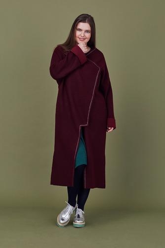 Кардиган-пальто LE-06 CА01 21Хиты продаж<br>Свободный мягкий кардиган-пальто без подкладки с контрастной строчкой люрексовой нитью. Правильный баланс шерсти и вискозы в составе - позволит носить его осенью и даже мягкой зимой. Пластичный, легкий, немнущийся, идеально - в городе и в путешествии. Рост модели на фото 178 см, размер 54 (российский).<br>