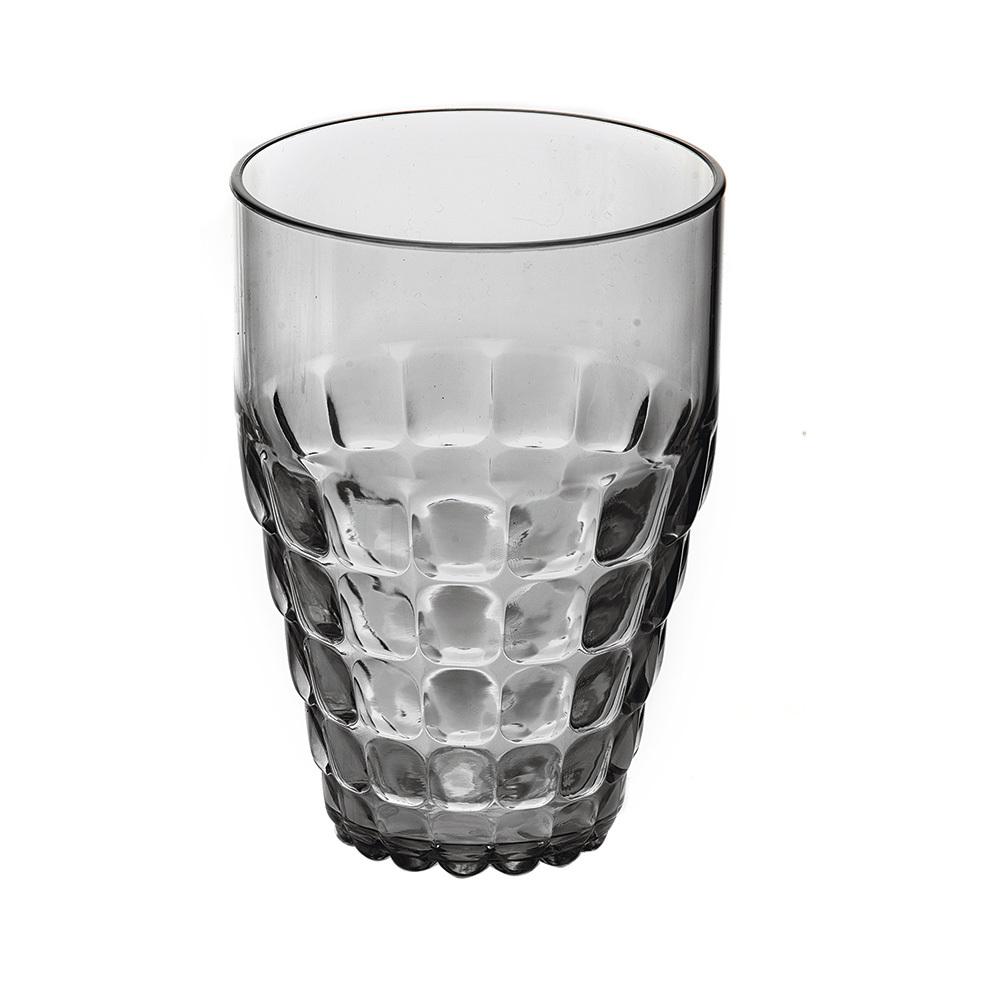 Бокал Guzzini Tiffany серый 22570192Бокалы и стаканы<br>Бокал Guzzini Tiffany серый 22570192<br><br>Легкий и яркий дизайн бокала Tiffany будто намекает на освежающие лимонады, бодрящие соки и цитрусовые коктейли. Отличается конической формой и прозрачным материалом, который придает бокалу характерный блеск. Сверкающий эффект усиливается на солнечном свету, поэтому бокал станет отличным решением для подачи напитков на свежем воздухе. Идеально подойдет для использования каждый день - добавит яркий акцент пространству кухни или гостиной.  Объем бокала - 510 мл. Изготовлен из высококачественного органического стекла, устойчивого к износу и повреждениям. Не содержит вредных примесей и бисфенола-А. Можно мыть в посудомоечной машине.<br>Официальный продавец<br>