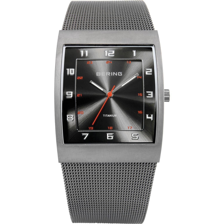Bering 11233-077 - мужские наручные часы из коллекции TitaniumBering<br>мужские, закаленное минеральное стекло, корпус из титана,  браслет  из нерж. стали, циферблат антрацитового цвета, центральная секундная стрелка<br><br>Бренд: Bering<br>Модель: Bering 11233-077<br>Артикул: 11233-077<br>Вариант артикула: ber-11233-077<br>Коллекция: Titanium<br>Подколлекция: None<br>Страна: Дания<br>Пол: мужские<br>Тип механизма: кварцевые<br>Механизм: None<br>Количество камней: None<br>Автоподзавод: None<br>Источник энергии: от батарейки<br>Срок службы элемента питания: None<br>Дисплей: стрелки<br>Цифры: арабские<br>Водозащита: WR 30<br>Противоударные: None<br>Материал корпуса: титан<br>Материал браслета: титан<br>Материал безеля: None<br>Стекло: минеральное<br>Антибликовое покрытие: None<br>Цвет корпуса: серый<br>Цвет браслета: серый<br>Цвет циферблата: None<br>Цвет безеля: None<br>Размеры: 33x40x8 мм<br>Диаметр: 33 мм<br>Диаметр корпуса: None<br>Толщина: None<br>Ширина ремешка: None<br>Вес: None<br>Спорт-функции: None<br>Подсветка: стрелок<br>Вставка: None<br>Отображение даты: None<br>Хронограф: None<br>Таймер: None<br>Термометр: None<br>Хронометр: None<br>GPS: None<br>Радиосинхронизация: None<br>Барометр: None<br>Скелетон: None<br>Дополнительная информация: дополнительная шкала от 13 до 24 часов<br>Дополнительные функции: None