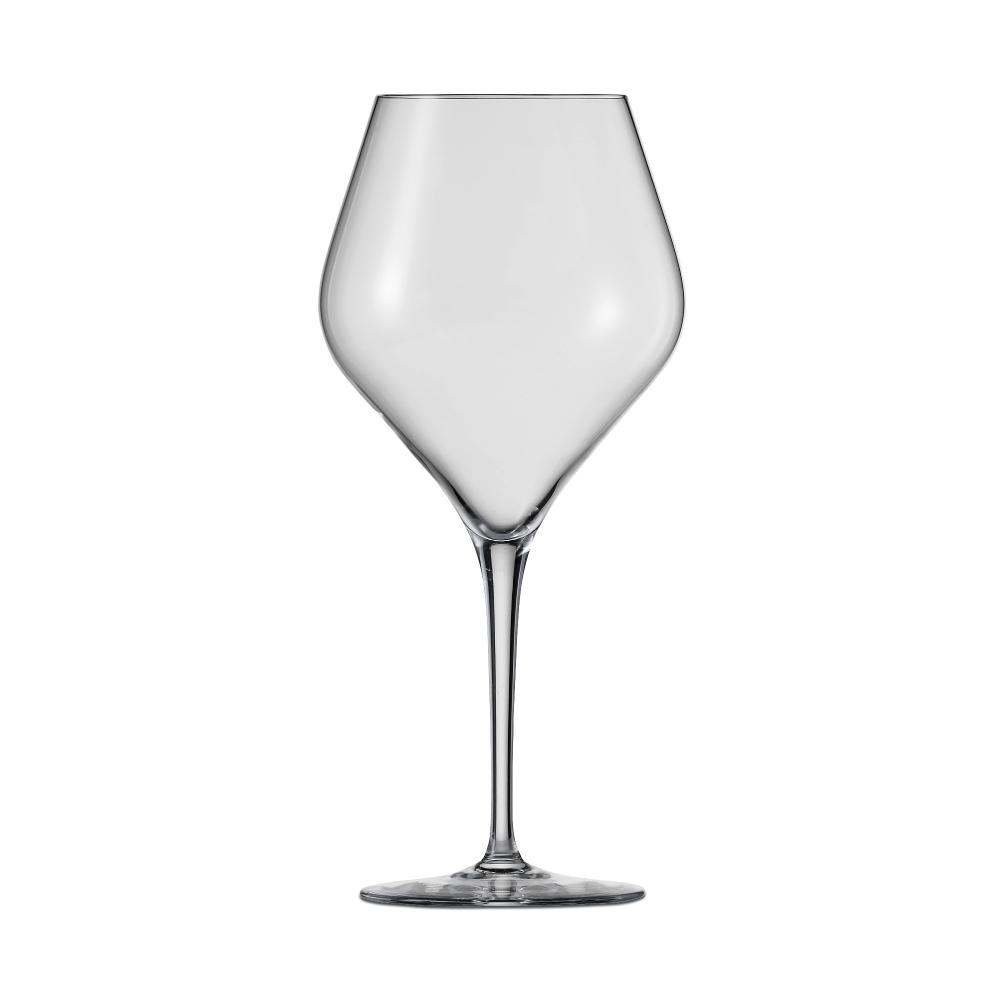 Набор из 6 бокалов для красного вина 660 мл SCHOTT ZWIESEL Finesse арт. 118 609-6Бокалы и стаканы<br>Набор из 6 бокалов для красного вина 660 мл SCHOTT ZWIESEL Finesse арт. 118 609-7<br><br>вид упаковки: подарочнаявысота (см): 23.3диаметр (см): 10.8материал: хрустальное стеклоназначение: для красного винаобъем (мл): 660предметов в наборе (штук): 6страна: Германия<br>Оригинальный дизайн винных бокалов серии Finesse привлекает внимание четкой геометрией чаши и высокой, сужающейся книзу ножкой, придающей изделию утонченную изысканность. Изделия коллекции изготовлены из высококачественного хрустального стекла, не содержащего бария и свинца по уникальной технологии Tritan Protect.<br>Благодаря использованию технологии Tritan бокалы серии Finesse получили такие свойства как высокая ударопрочность, легкость, чистейшая прозрачность и яркий блеск.<br>Элегантная коллекция, представляющая собой великолепный образец классического стиля и современного дизайна, включает в себя наборы бокалов для шампанского, красного и белого вина. Любой из этих изящных наборов достойно украсит любую сервировку, от повседневной до праздничной.<br>