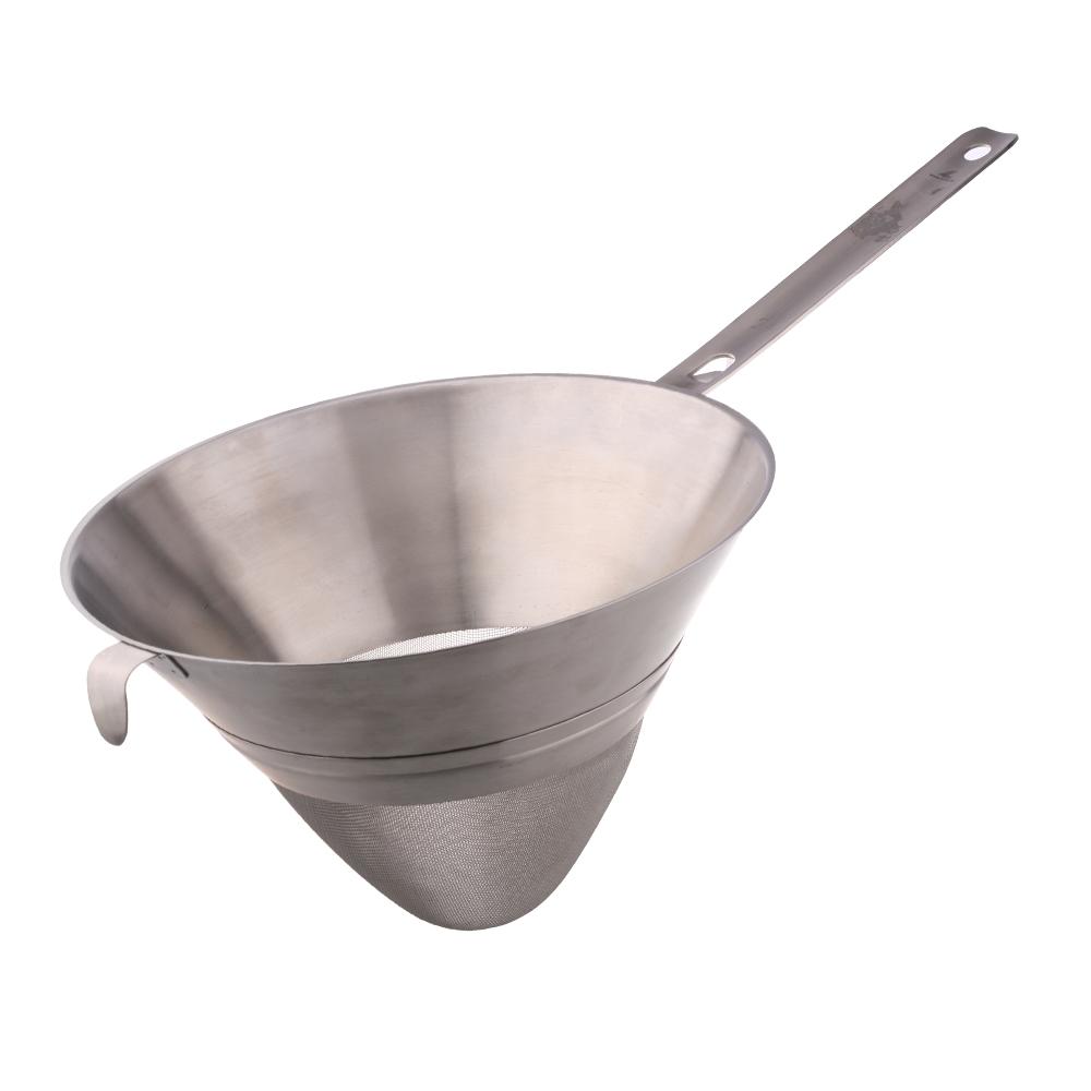 Дуршлаг конический сетчатый 25 см LACOR Inoxidable арт. 60325Дуршлаг<br>Дуршлаг конический сетчатый 25 см LACOR Inoxidable арт. 60325<br><br>диаметр (см):25.0материал:нержавеющая стальпредметов в наборе (штук):1страна:Испания<br><br>Кухня – это не только посуда, но и множество необходимых кухонных принадлежностей. Компания Lacor позаботилась о том, чтобы у Вас под рукой всегда были качественные, удобные и красивые ножи для чистки овощей и рыбы, шейкеры для приготовления коктейлей, соковыжималки, терки, масленки, хлебницы и многие другие предметы, без которых на кухне не обойтись.<br>Все кухонные принадлежности Lacor изготовлены из так называемой пищевой стали — сплава высокосортной нержавеющей стали, никеля и хрома. Этот материал, помимо внешней эстетичности, обладает твердостью, высокой износоустойчивостью и невосприимчивостью к химическим воздействиям. Благодаря этому кухонные принадлежности Lacor прослужат Вам долго, даже если Вы будете пользоваться ими каждый день.<br>Официальный продавец LACOR<br>