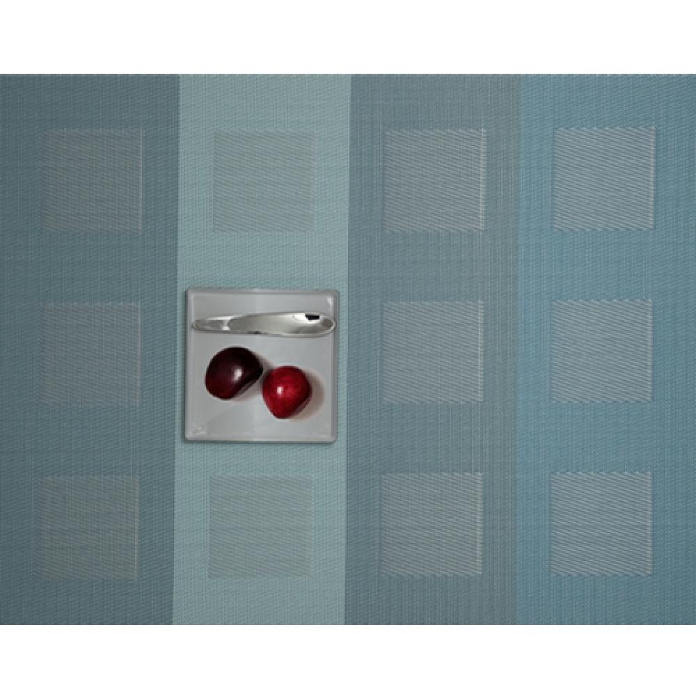 Салфетка подстановочная, плетение квадраты, винил, (36х48) Azure (100115-001) CHILEWICH Engineered squares арт. 0071-ENGS-AZURСервировка стола<br>Салфетки и подставки для посуды от американского дизайнера Сэнди Чилевич, выполнены из виниловых нитей — современного материала, позволяющего создавать оригинальные текстуры изделий без ущерба для их долговечности. Возможно, именно в этом кроется главный секрет популярности этих стильных салфеток.<br>Впрочем, это не мешает подставочным салфеткам Chilewich оставаться достаточно демократичными, для того чтобы занять своё место и на вашем столе. Вашему вниманию предлагается широкий выбор вариантов дизайна спокойных тонов, способного органично вписаться практически в любой интерьер.<br><br>длина (см):48материал:винилпредметов в наборе (штук):1страна:СШАширина (см):36.0<br>Официальный продавец CHILEWICH<br>