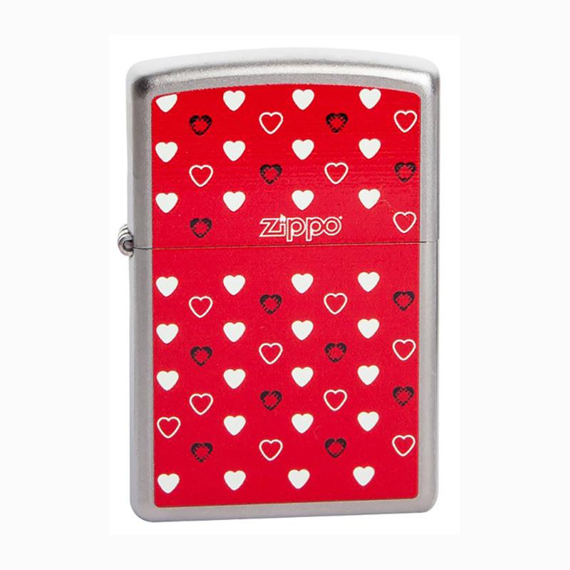 Зажигалка Zippo №205 Zippo HeartsЗажигалки<br>• Упакована в коробку созданную из экологически чистых материалов.• Пожизненная гарантия.• Рекомендуем заправлять только первоклассным топливом Zippo.<br>Важно! Зажигалки Zippo поступают в Россию незаправленными. Топливо можно купить отдельно.<br>