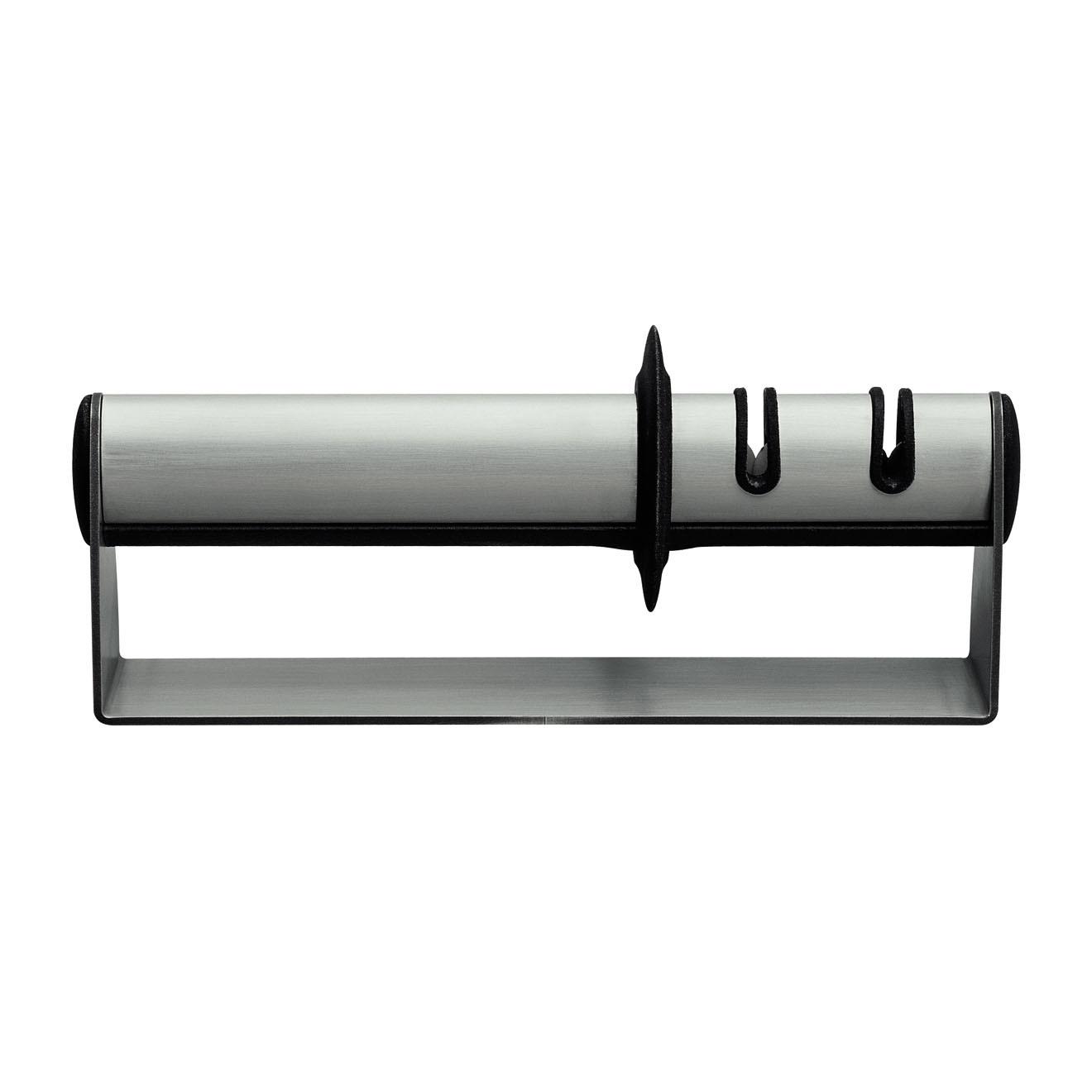 Точилка для ножей 195 мм Zwilling TWIN Select 32601-000Ручные механические точилки для ножей<br>Точилка для ножей 195 мм Zwilling TWIN Select 32601-000<br><br>Товар изготовлен: Корпус изготовлен из стали, точильные диски из стали и керамики.<br>Применение: Устройство просто в применении, т.к. угол наклона лезвия уже задан, что исключает возможность ошибки. Подходит для правшей и левшей. Имеет два отдельных точильных модуля: –стальные диски для тупых ножей, –керамические диски для доводки или быстрой перезаточки.<br>Использовать только по назначению! Хранить в недоступном для детей месте.<br>