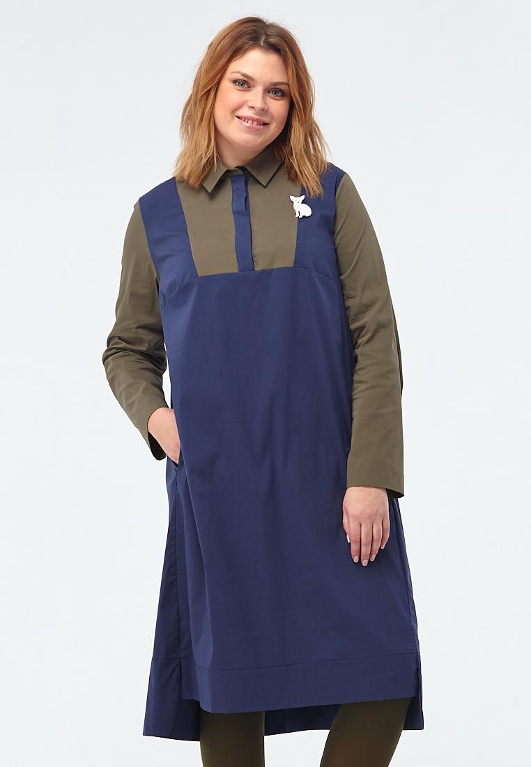 Платье-блузка W10 DB01 25/20Новинки<br>Настоящая свобода – это свобода быть собой! Просторное платье-рубашка с аккуратным отложным воротничком и строгой планкой, с удлиненной спинкой и разрезами по бокам, с рукавами и кокеткой контрастного цвета, ультимативно синий и хаки – столько ненавязчивых деталей, столько смыслов и такой непревзойденный комфорт! Отлично выглядит с цветными плотными колготками, лоферами или массивными ботинками.Рост модели на фото 176 см, размер 52 (российский).<br>