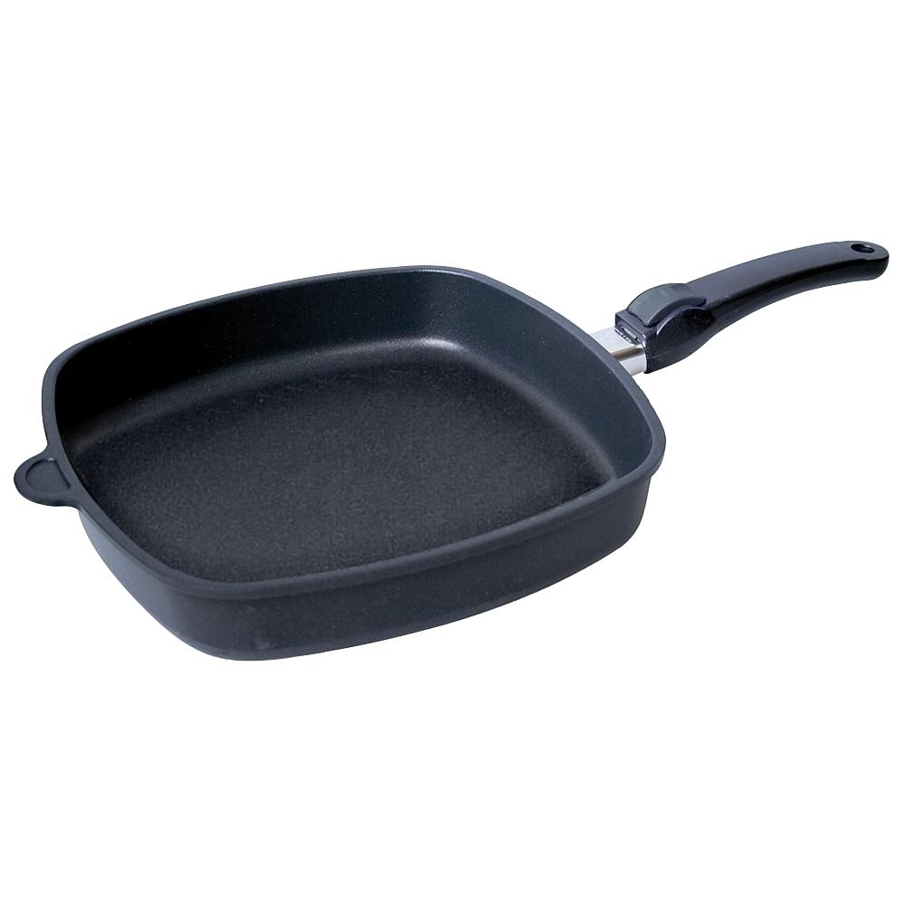 Сковорода квадратная 28х28 см съемная ручка AMT Frying Pans арт. AMT E285Сковороды<br>Сковорода квадратная 28х28 см съемная ручка AMT Frying Pans арт. AMT E285<br><br>высота (см): 5.0диаметр (см): 28.0толщина дна (см): 1крышка: нетматериал: алюминийпокрытие: антипригарноепредметов в наборе (штук): 1ручки: съемныестрана: Германиятип варочной поверхности: все типы поверхностей, кроме индукционной<br>Сковороды серии Diamond Crystal изготовлены из высокопрочного материала по специальной технологии с использованием алмазных кристаллов. Плюсом новой технологии является отсутствие в составе покрытия перфтороктановой кислоты, что делает продукцию компании AMT абсолютно безопасной для здоровья человека.<br>Серия Diamond Crystal обладают высокой стойкостью покрытия. Такие качества, как надежность, термостойкость и долговечность посуды Diamond Crystal достигается благодаря использованию алмазных кристаллов, природные свойства которых позволяют мгновенно распределять тепло. Процесс приготовления вкусной и здоровой пищи становится более простым и приятным.<br>Сковороды Diamond Crystal подходят практически для всех видов плит. Они оснащены съемной жаропрочной ручкой, благодаря чему изделия можно использовать в духовке при температуре до 210°С. Таким образом сковороды пригодны не только для жарки, но и для тушения и запекания.<br><br>Официальный продавец AMT<br>