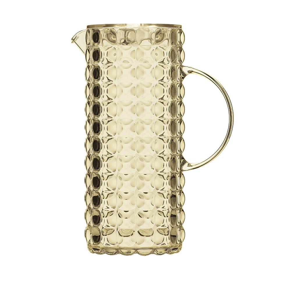 Кувшин Guzzini Tiffany песочный 22560039Посуда Guzzini (Италия)<br>Кувшин Guzzini Tiffany песочный 22560039<br><br>Кувшин Tiffany выполнен из прозрачного пищевого пластика, переливающегося на свету, поэтому он обязательно создаст праздничную атмосферу на вашем столе. Его цветная рельефная форма с удобным горлышком для наливания создана специально для освежающих лимонадов, бодрящих соков и цитрусовых коктейлей. Но легкость и воздушность кувшина вовсе не означают, что он подойдет только для торжественных случаев - наоборот, вся коллекция Tiffany предназначена для того, чтобы делать каждый день особенным.  Объем 1,75 л. Можно мыть в посудомоечной машине.<br>Официальный продавец<br>