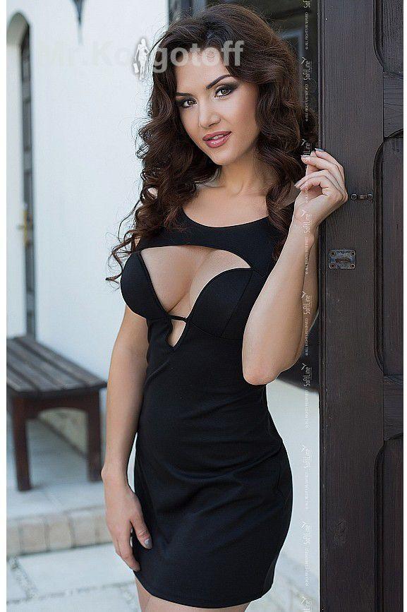 Красивое декольте платьев