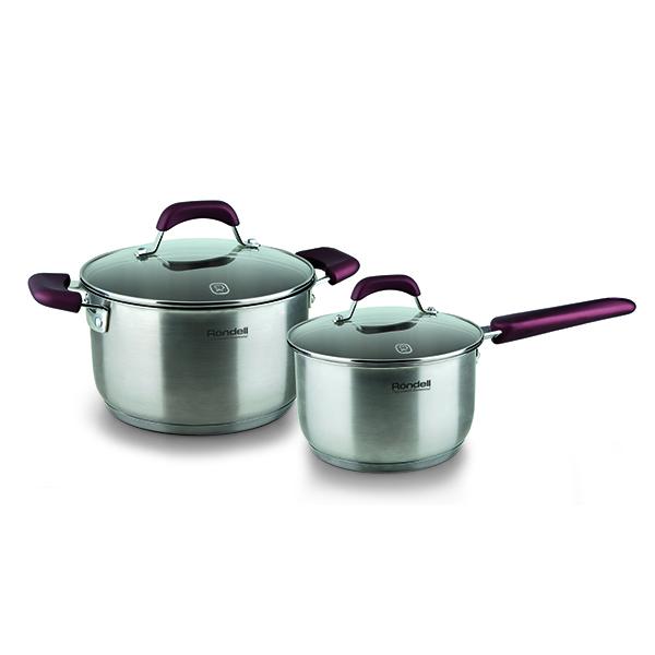 Набор посуды Rondell Bojole 4 предмета RDS-821Наборы посуды Rondell<br>Набор посуды Rondell Bojole 4 предмета RDS-821<br><br>В набор RDS-821 входит: <br><br>Кастрюля 20 см (3.3л) + крышка <br>Ковш 16 см (1.7л) + крышка <br><br><br>Технология: Тройное вштампованное, а затем вплавленное дно.<br>Внутреннее покрытие: Без покрытия.<br>Внешнее покрытие и отделка: Сатинированная полировка корпуса.<br>Толщина стенок: 0,5 мм.<br>Толщина дна: 5,0 мм.<br>Материал крышки: Термостойкое стекло.<br>Аксессуары: Эргономичные из бакелита с силиконовым напылением.<br>Тип крепления аксессуаров: Клепочное.<br><br>Преимущества:<br><br>Внутренние отметки литража;<br>Высокие стенки корпуса – большой литраж посуды;<br>Ободок крышки из нержавеющей стали против сколов и трещин.<br><br><br>Использование:<br><br>Не подходит для духовки;<br>Не рекомендуется мыть в посудомоечной машине;<br>Подходит для всех видов плит.<br><br><br>Упаковка: Подарочная коробка с ручкой.<br>