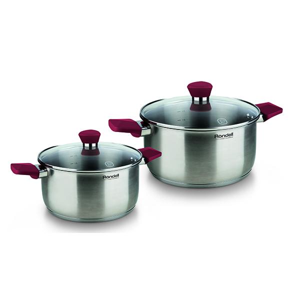 Набор посуды Rondell Strike 4 предмета RDS-816Наборы посуды Rondell<br>Набор посуды Rondell Strike 4 предмета RDS-816<br><br>В набор RDS-816 входит: <br><br>Кастрюля 24 см (4.8л) + крышка <br>Кастрюля 20 см (2.8л) + крышка <br><br><br>Технология: Тройное вштампованное, а затем вплавленное дно.<br>Внутреннее покрытие: Без покрытия.<br>Внешнее покрытие и отделка: Сатинированная полировка корпуса.<br>Толщина стенок: 0,5 мм.<br>Толщина дна: 5,0 мм.<br>Материал крышки: Термостойкое стекло.<br>Аксессуары: Эргономичные из бакелита с силиконовым напылением.<br>Тип крепления аксессуаров: Клепочное.<br><br>Преимущества:<br><br>Внутренние отметки литража;<br>Клепочное крепление аксессуаров;<br>Ободок крышки из нержавеющей стали против сколов и трещин;<br>Эргономичная ручка с внешним покрытием Soft Touch.<br><br><br>Использование:<br><br>Не подходит для духовки;<br>Не подходит для микроволновой печи;<br>Не рекомендуется мыть в посудомоечной машине;<br>Подходит для всех видов плит, включая индукционные.<br><br><br>Упаковка: Подарочная коробка с ручкой.<br>