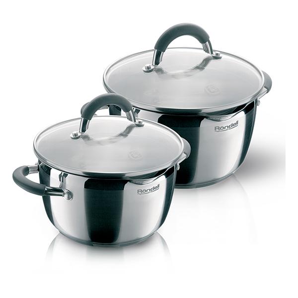 Набор посуды Rondell Flamme 4 предмета RDS-339Наборы посуды Rondell<br>Набор посуды Rondell Flamme 4 предмета RDS-339<br><br>В набор RDS-339 входит: <br><br>Кастрюля 24 см (5.7л) + крышка <br>Кастрюля 20 см (3.2л) + крышка <br><br><br>Технология: Тройное вштампованное, а затем вплавленное дно.<br>Внутреннее покрытие: Без покрытия.<br>Внешнее покрытие и отделка: Комбинированная полировка: зеркальная и сатинированная.<br>Толщина стенок: 0,6 мм.<br>Толщина дна: 5,0 мм.<br>Материал крышки: Комбинированный: термостойкое стекло и нержавеющая сталь.<br>Аксессуары: Удобные комбинированные: нержавеющая сталь и силикон.<br>Тип крепления аксессуаров: Клепочное.<br><br>Преимущества:<br><br>Внутренние отметки литража;<br>Комбинированная крышка из термостойкого стекла и ободком из нержавеющей стали для удобного слива жидкости (2 диаметра отверстий);<br>Ободок крышки из нержавеющей стали против сколов и трещин.<br><br><br>Использование:<br><br>Не подходит для духовки;<br>Подходит для всех видов плит, включая индукционные;<br>Подходит для посудомоечной машины.<br><br><br>Упаковка: Подарочная упаковка с ручкой.<br>Подарок: Буклет с рецептами от шеф-повара.<br>
