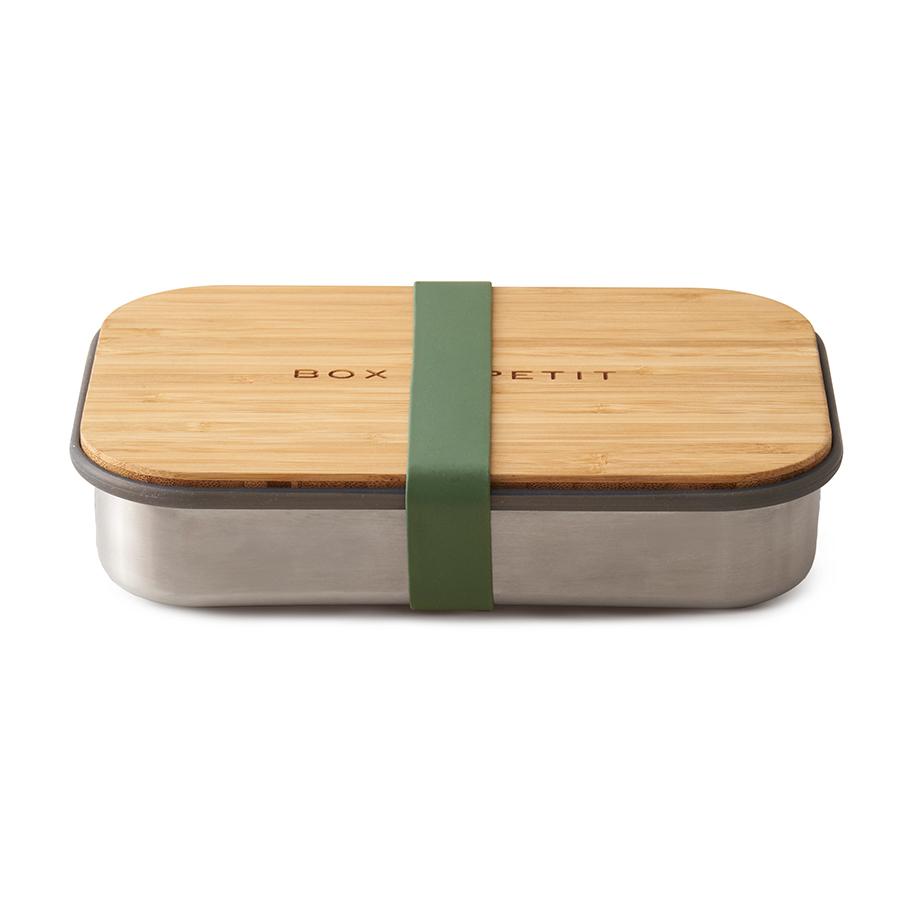 Сэндвич-бокс Black+Blum оливковый BAM-SB010Ланч-боксы<br>Удобная коробка для сэндвичей из нержавеющей стали, дополненная бамбуковой крышкой и силиконовой лентой оливкового цвета. <br><br>Коробка подходит для хранения как уже готовых сэндвичей, так и отдельных продуктов, входящих в их состав. Антибактериальные свойства бамбука позволяют использовать крышку коробки в качестве разделочной доски, на которой блюдо можно приготовить непосредственно перед подачей. Нержавеющая сталь, из которой выполнен корпус бокса, сохранит свой внешний вид даже в сложных условиях эксплуатации. А силиконовая лента-перетяжка герметично зафиксирует крышку на корпусе. Она легко моется и также очень долговечна.<br><br>Сэндвич-бокс Black&amp;#43,Blum – удобное решение для тех, кто покупным предпочитает свежие сэндвичи из-под ножа. Самые оригинальные ингредиенты теперь можно взять с собой и приготовить изысканный деликатес в любом удобном месте: в офисе, школе, университете или прямо на траве во время пикника.<br>Красивый и стильный он выделит своего обладателя из толпы и покажет его как человека, разбирающегося в хорошем дизайне. <br>Основой же этих преимуществ станет высокое качество материалов, благодаря которому сэндвич-бокс прослужит долгие годы.<br>