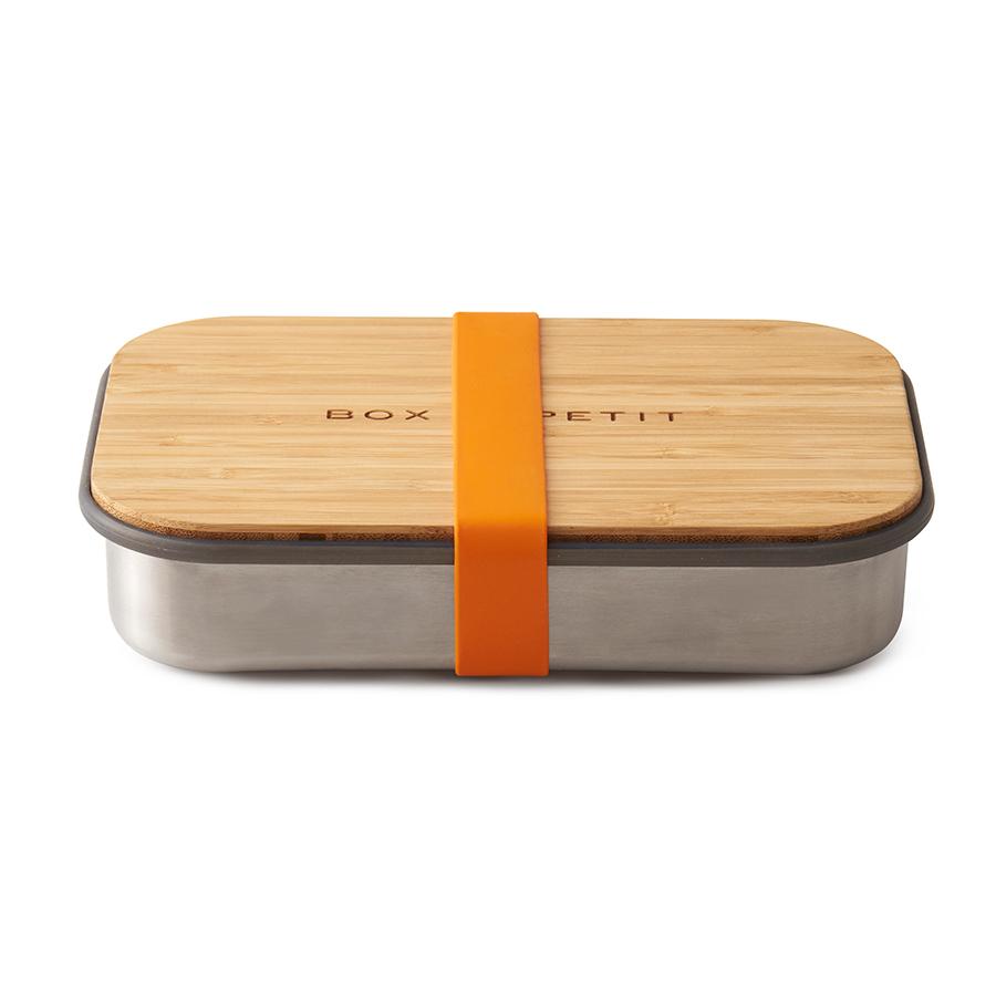 Сэндвич-бокс Black+Blum оранжевый BAM-SB003Ланч-боксы<br>Удобная коробка для сэндвичей из нержавеющей стали, дополненная бамбуковой крышкой и силиконовой лентой оранжевого цвета. <br><br>Коробка подходит для хранения как уже готовых сэндвичей, так и отдельных продуктов, входящих в их состав. Антибактериальные свойства бамбука позволяют использовать крышку коробки в качестве разделочной доски, на которой блюдо можно приготовить непосредственно перед подачей. Нержавеющая сталь, из которой выполнен корпус бокса, сохранит свой внешний вид даже в сложных условиях эксплуатации. А силиконовая лента-перетяжка герметично зафиксирует крышку на корпусе. Она легко моется и также очень долговечна.<br><br>Сэндвич-бокс Black&amp;#43,Blum – удобное решение для тех, кто покупным предпочитает свежие сэндвичи из-под ножа. Самые оригинальные ингредиенты теперь можно взять с собой и приготовить изысканный деликатес в любом удобном месте: в офисе, школе, университете или прямо на траве во время пикника.<br>Красивый и стильный он выделит своего обладателя из толпы и покажет его как человека, разбирающегося в хорошем дизайне. <br>Основой же этих преимуществ станет высокое качество материалов, благодаря которому сэндвич-бокс прослужит долгие годы.<br>