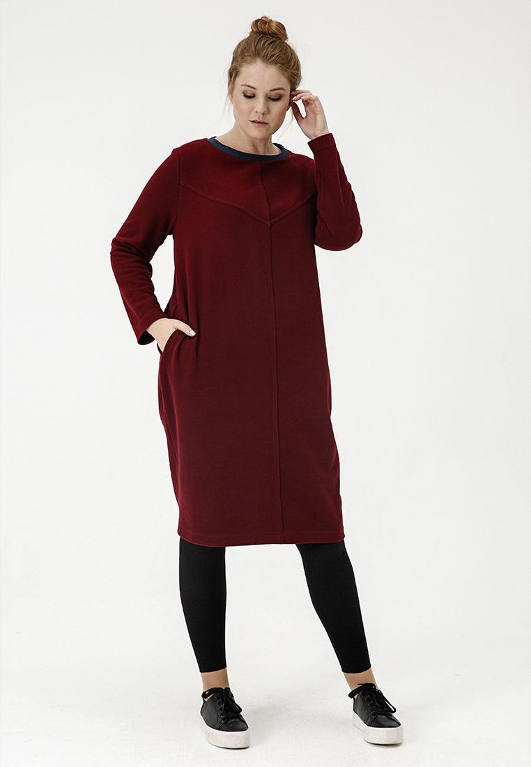 Платье кокон LM-03 D34 21SALE %<br>Согревающий бордовый цвет, ткань с уютной ворсистой фактурой, фигурные швы, обеспечивающие отличную посадку по фигуре, контрастная оторочка неглубокого округлого выреза и наши фирменные полоски по спине, длина миди – у вас есть множество поводов влюбиться в это платье. В нем хочется остаться жить до весны – гулять и пить кофе в маленьких кофейнях (с пирожными!), встречаться с друзьями, смотреть кино, листать книги и обнимать близких. Рост модели на фото 178 см, размер 54 (российский).<br>