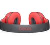 Наушники Beats Studio 2.0 WirelessНовинки<br>Купить наушники Beats Studio 2.0 Wireless red-black<br><br><br>Проблем с дизайном и эргономикой у Beats не было практически никогда. Наушники beats studio 2.0 red-black привлекают внимание и выглядят по-настоящему дорого. Амбушюры по виду напоминают натуральную кожу, удобно садятся на голову, не занимая большую ее часть. Дужки сконструированы из металла, они могут раздвигаться и плотно фиксироваться на голове, обеспечивая плотность посадки. Чашки, в отличие от предыдущих версий, практически не оказывают давление на уши, что важно при многочасовом использовании. Дизайн вызывает восхищение и уже только за это можно Beats studio 2 red-black купить.<br><br><br>Посмотрите наш полный каталог наушниковBeats.<br>