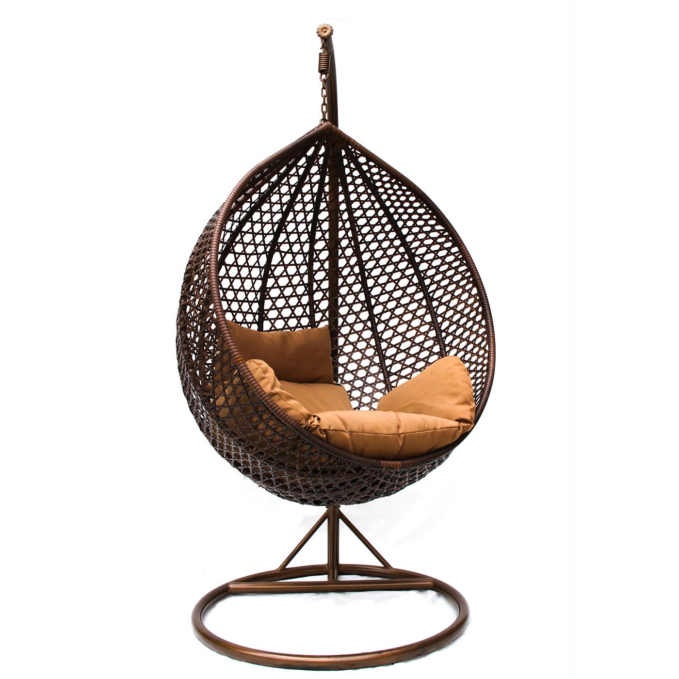 Садовое плетеное кресло