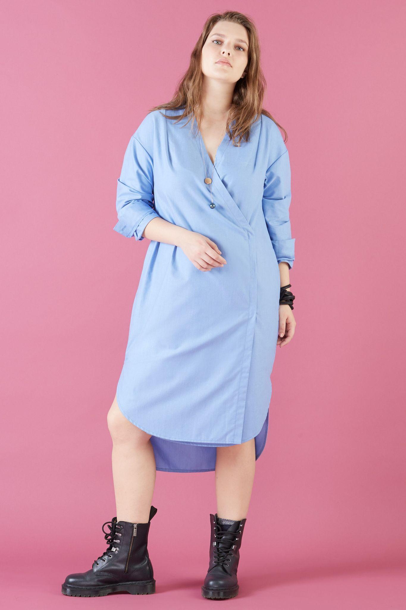 Платье LE-06 D03 41Платья<br>Нежное хлопковое платье-рубашка с запахом, изящным поясом и функциональными карманами,а также, длинным рукавом. Без пояса платье будет идеального прямого силуэта. Подходит для офиса и для прогулок. Рост модели на фото 178 см, размер 54 (российский)<br>