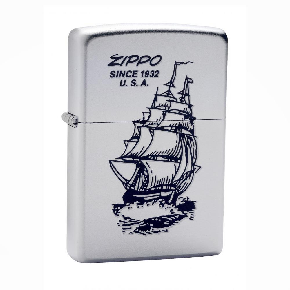 Зажигалка Zippo №205 Boat-ZippoЗажигалки<br>• Satin Chrome™• Изображение корабля с надписью Zippo since 1932 U.S.A.• Упакована в коробку, созданную из экологически чистых материалов• Пожизненная гарантия• Рекомендуем заправлять только первоклассным топливом Zippo<br>