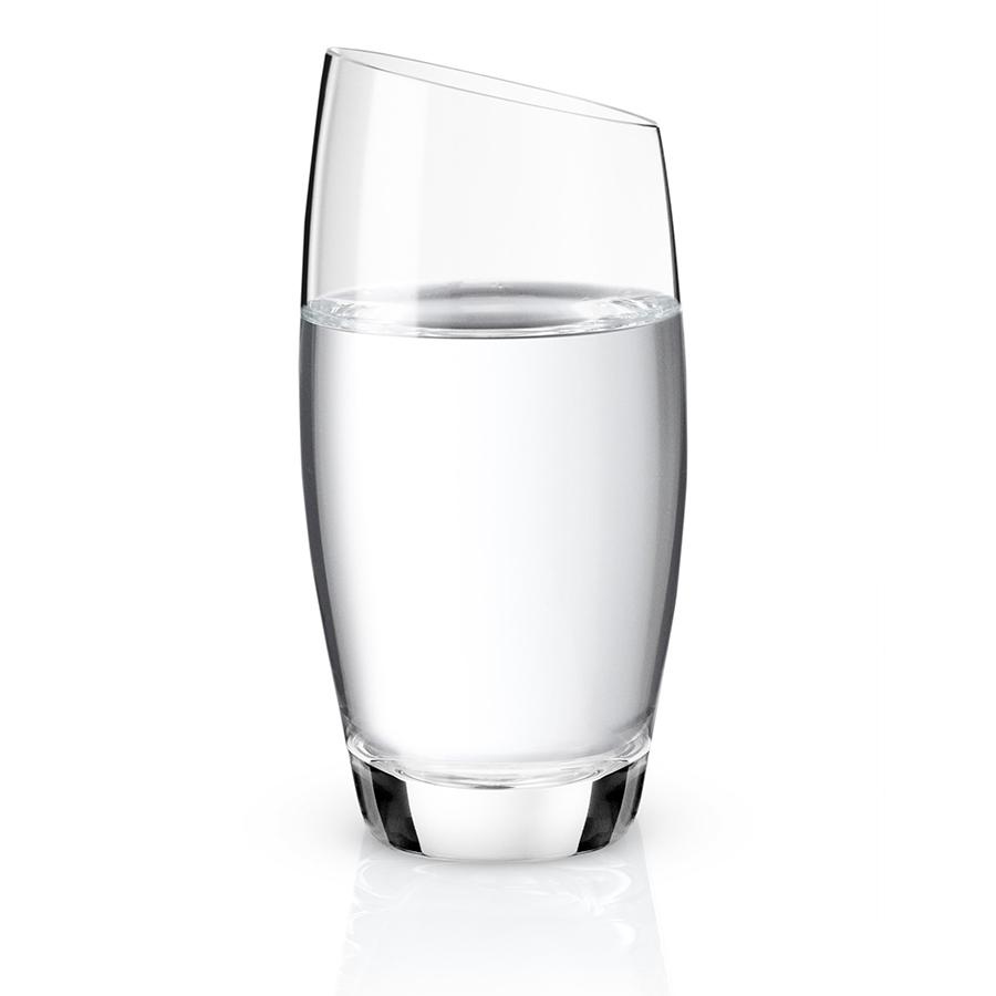 Стакан 210 мл Eva Solo 541015Бокалы и стаканы<br>Стакан 210 мл Eva Solo 541015<br><br>Бокалы от Eva Solo изготавливаются вручную и универсален почти для всех напитков. Дизайн бокала имеет скошенный край, что смотрится очень стильно. Элегантный и простой, подойдёт на любой кухне. Сочетается с линией бокалов для других напитков. Eva Solo - датский бренд, уже много лет считающийся классикой дизайнерских решений. Бокал имеет объем 210 мл.<br>