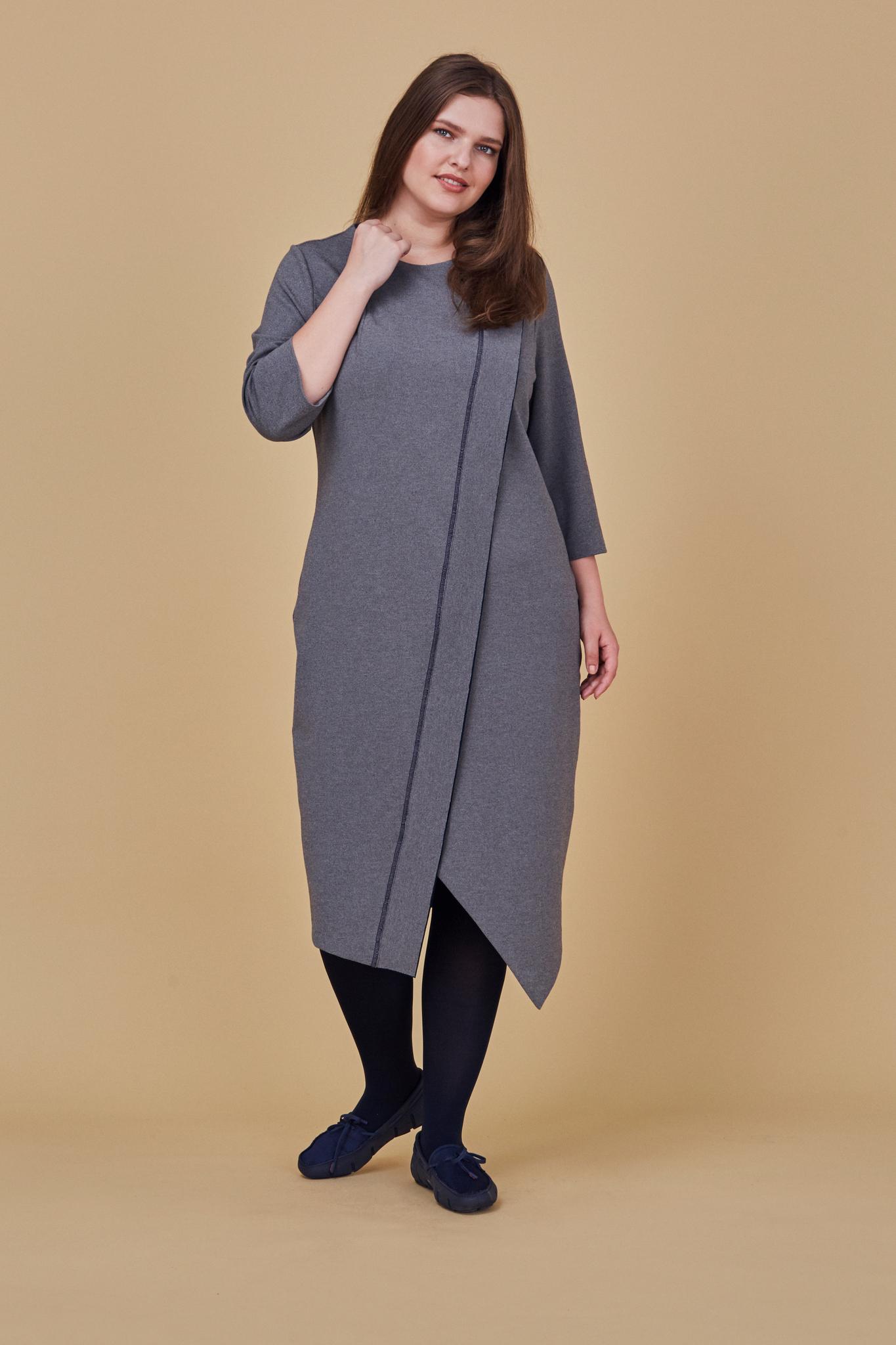 Платье LE-07 D05 06Новинки<br>Платье по косой из мягкого и плотного трикотажа, длиной чуть ниже колена. Свободное, максимально комфортное и ноское. Рукава 5/6, карманы в боковых швах Идеально для офиса и для прогулок. Рост модели на фото 178 см, размер 54 (российский).<br>