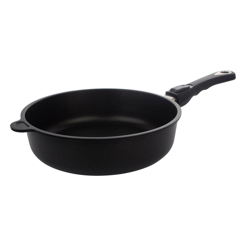 Сковорода глубокая 26 см съемная ручка AMT Frying Pans арт. AMT726Сковороды<br>Сковорода глубокая 26 см съемная ручка AMT Frying Pans арт. AMT726<br><br>высота (см): 7.0диаметр (см): 26.0толщина дна (см): 1крышка: нетматериал: алюминийпокрытие: антипригарноепредметов в наборе (штук): 1ручки: съемныестрана: Германиятип варочной поверхности: все типы поверхностей, кроме индукционной<br>Сковороды серии Diamond Crystal изготовлены из высокопрочного материала по специальной технологии с использованием алмазных кристаллов. Плюсом новой технологии является отсутствие в составе покрытия перфтороктановой кислоты, что делает продукцию компании AMT абсолютно безопасной для здоровья человека.<br>Серия Diamond Crystal обладают высокой стойкостью покрытия. Такие качества, как надежность, термостойкость и долговечность посуды Diamond Crystal достигается благодаря использованию алмазных кристаллов, природные свойства которых позволяют мгновенно распределять тепло. Процесс приготовления вкусной и здоровой пищи становится более простым и приятным.<br>Сковороды Diamond Crystal подходят практически для всех видов плит. Они оснащены съемной жаропрочной ручкой, благодаря чему изделия можно использовать в духовке при температуре до 210°С. Таким образом сковороды пригодны не только для жарки, но и для тушения и запекания.<br><br>Официальный продавец AMT<br>