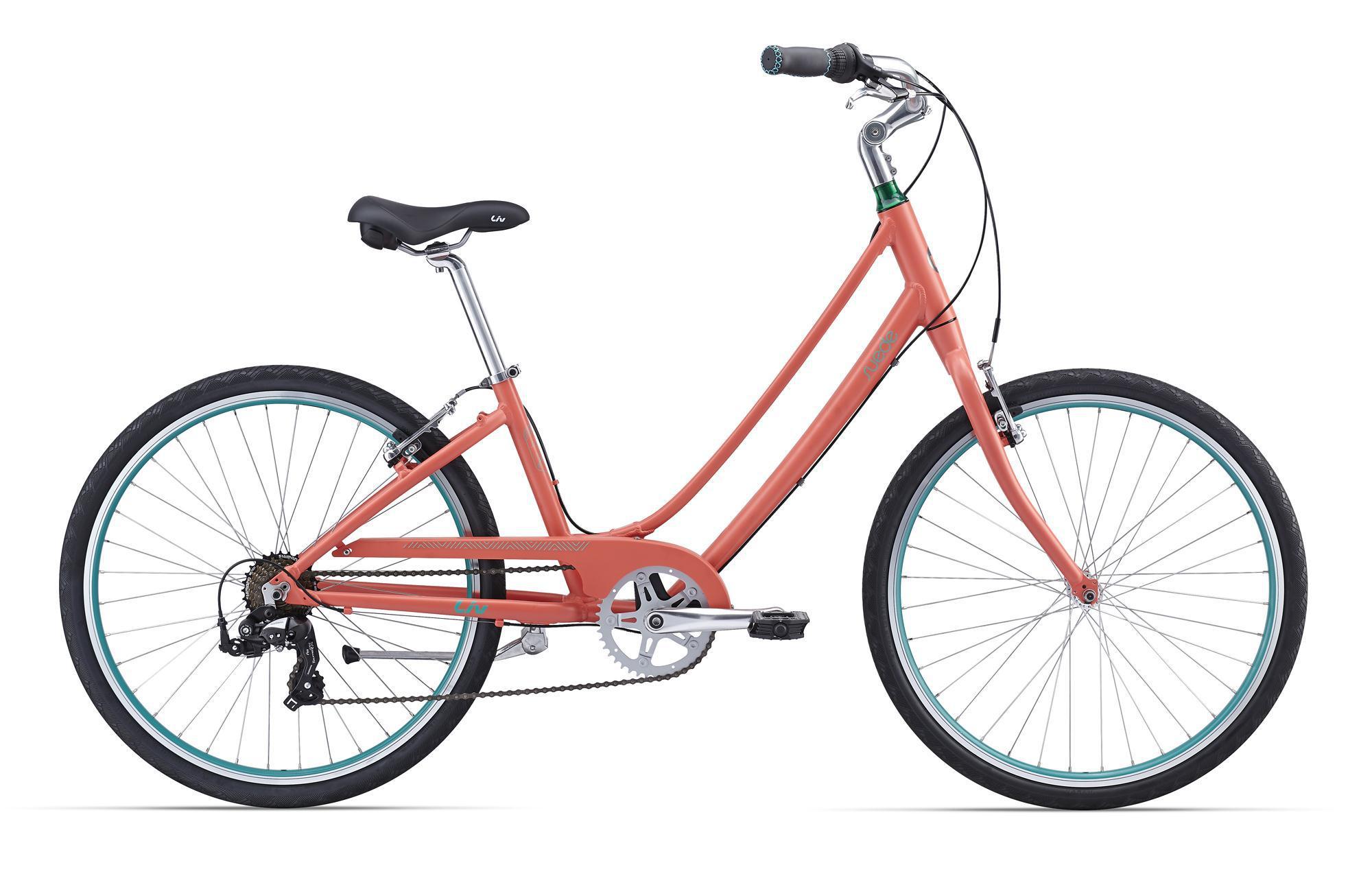 Giant Suede 2 (2016)Городские<br>В этом велосипеде тесно переплелись стиль, функциональность и резвый характер. Отличный женский вариант на все случаи жизни, от ежедневных поездок на работу до заряженных позитивом путешествий в выходные. На нем не только удобно, но и очень легко ездить благодаря легкой раме из сплава ALUXX со специальной женской геометрией Liv от Giant. Suede 2 точно станет вашим лучшим другом, который всегда рядом и готов разделить с вами самые смелые мечты!<br>