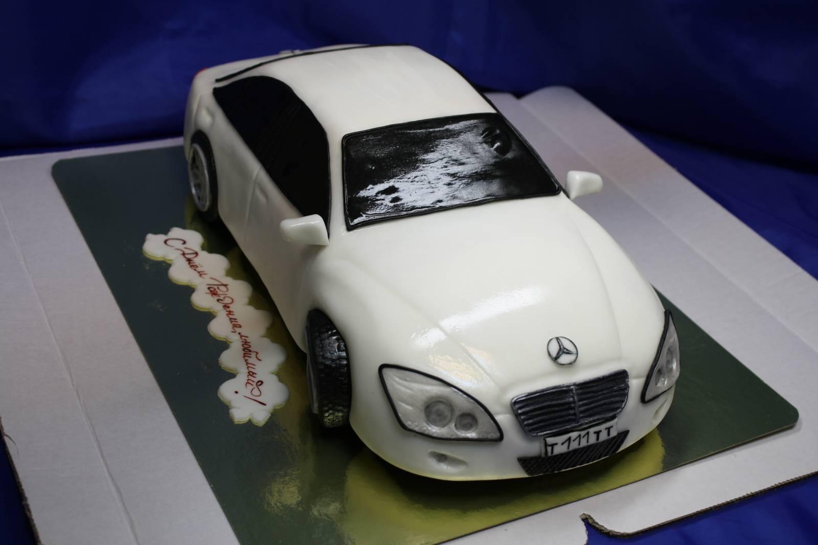 Торт. в виде машины