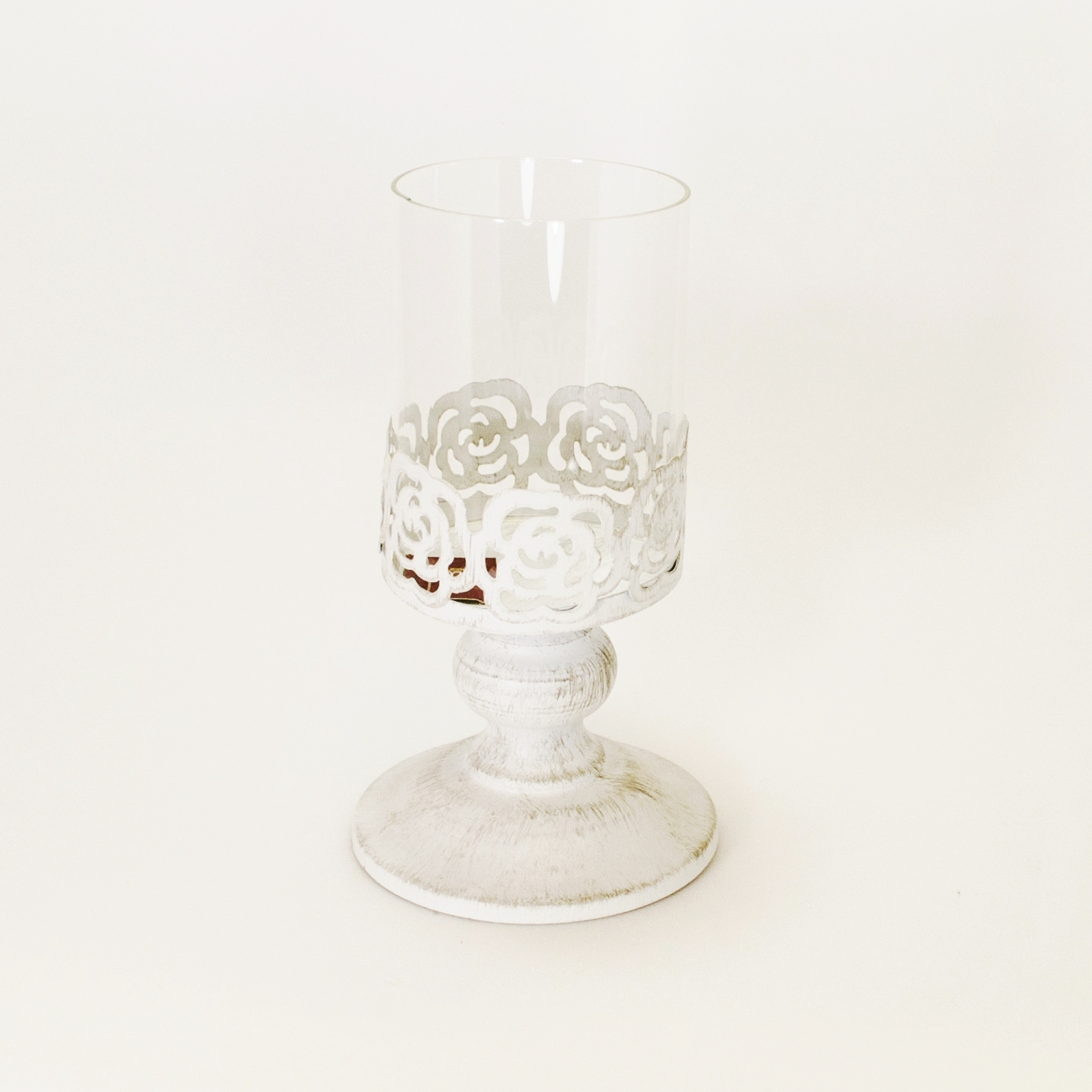 Подсвечник маленький со стеклом (Мебель и предметы интерьера)Мебель и предметы интерьера<br>Металлический подсвечник на ножке со стеклом<br>Размер: 10x10x17 см<br>Производитель: Dekoratief, Бельгия<br>
