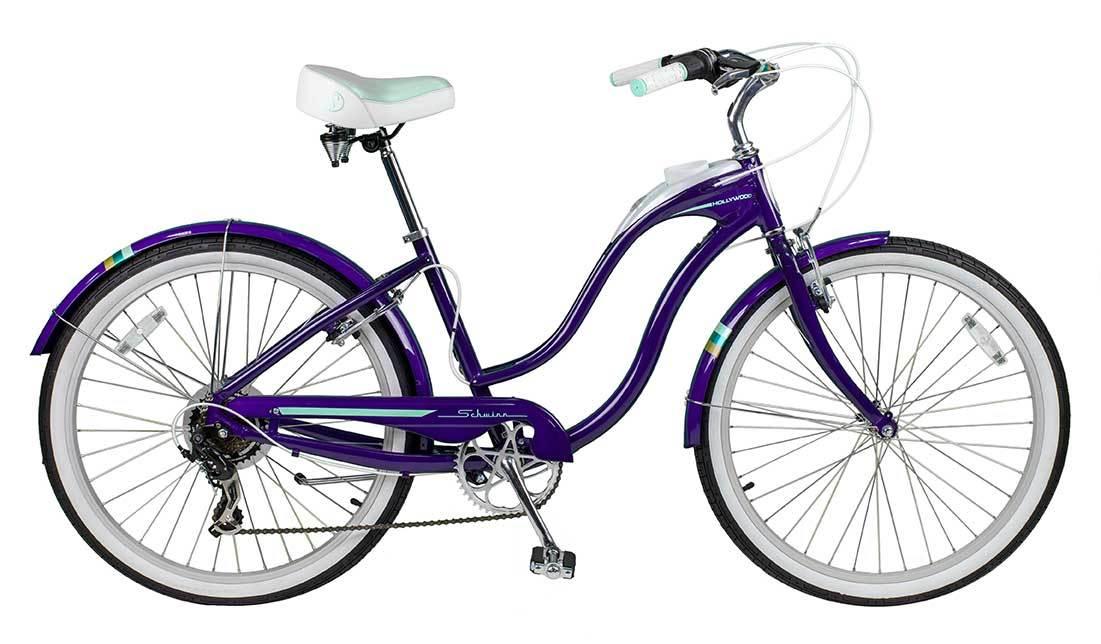 Schwinn Hollywood (2015)Городские<br>Schwinn Hollywood - это не просто велосипед. Это круизер, на котором можно совершать действительно длинные поездки с комфортом. Катайтесь в платье или джинсах. Катайтесь в жаркий летний день или в дождь. Hollywood защитит вас от воды и грязи и облегчит подъем в горку.<br><br>меньше вибраций &gt; стальная рама Hollywood хорошо гасит вибрации и езда утомляет вас меньше обычного,<br>ехать по ощущениям мягче &gt; такое ощущение возникает в первую очередь, благодаря большому объему воздуха в колесах - колеса на Hollywood значительно пухлее, чем на большинстве велосипедов,<br>руки отдыхают &gt; широкий руль - изюминка всех круизеров; да он менее удобный при подъеме велосипеда в дом, но во время езды ощущения ни с чем не сравнимые,<br>пятая точка отдыхает &gt; невероятно удобное широкое сидение с пружинами, благодаря которому вы не замечаете, что сидите на велосипеде; кроме того оно прекрасного дополняет стилистику велосипеда,<br>7 скоростных режимов &gt; 7 доступных режимов скорости позволят вам меньше уставать в дороге и разнообразят вашу поездку,<br>доступные регулировки &gt; сидение и руль регулируются по высоте и наклону - вы сможете настроить велосипед под себя, имея под рукой всего один шестигранник,<br>защита от воды и грязи &gt; полноразмерные металлические крылья, окрашенные в цвет рамы,<br>парковка где вздумается &gt; больше не нужен забор - просто поставьте велосипед на подножку,<br>любимый напиток или мороженое можно взять с собой &gt; в раму Hollywood встроен подстаканник с держателем - туда отлично помещается стакан газировки или пол-литровая бутылочка воды.<br>