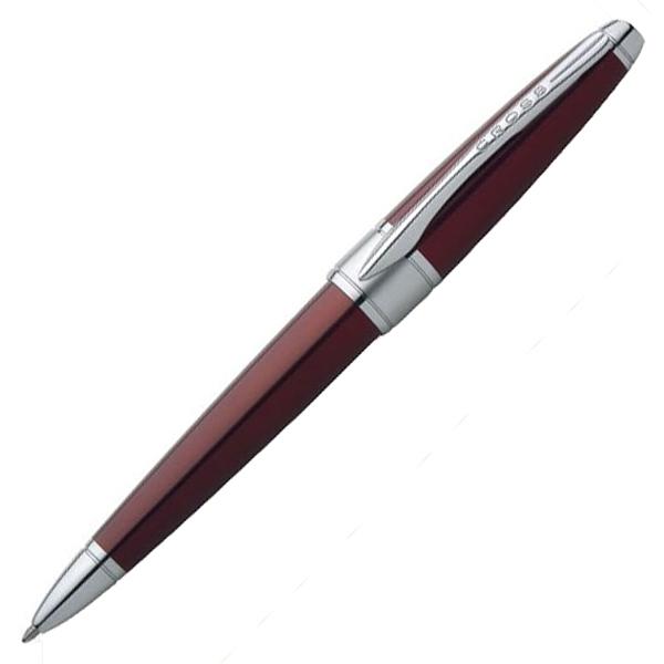 Cross Apogee - Titian Red, ручка-роллер, M, BLApogee<br>Коллекция Apogee сочетает в себе витажный дух эпохи 70-х и современный классический дизайн. Это лучшая комбинация для тех, кто стремится к большим достижениям!<br>Коллекция Apogee - идеальный баланс обтекаемого стиля и классических пропорций, в элегантных отделках.<br><br>Бренд Cross<br>Американская компания Cross основана в 1846 году ювелиром Алонзо Кроссом. С тех пор и по сей день компания держит курс на высочайшее качество продукции, тщательную проработку дизайна и постоянные инновации.<br>Основатель фирмы Cross внес огромный вклад в развитие пишущих приборов в целом. Например, на основе изобретенной им ручки-стилографа, созданы столь привычные нам шариковые ручки.<br>На сегодняшний день,A. T. Cross Companyпринадлежит более 20 патентов в сфере пишущих инструментов.<br>Основу ассортимента компании составляют функциональные пишущие инструменты премиум класса:<br>• перьевые ручкис запатентованной системой подачи чернил;<br>• ручки-роллерыс системой Selectip, позволяющей владельцу использовать различные виды стержней (шариковый, роллер или капиллярный);<br>• шариковые ручкис гидравлическим механизмом выдвижения стержня. При этом шариковую ручку Cross можно легко преобразовать в механический карандаш при помощи специального конвертера Switch-it, который также является запатентованным изобретением компании.<br>