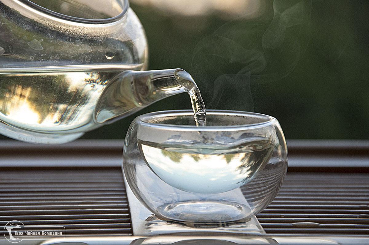 Разливать чай из него - одно удовольствие.