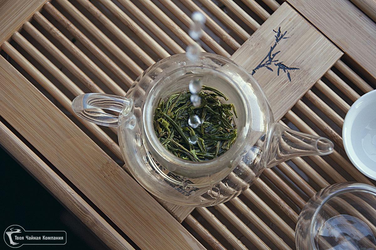 Специальный чайник из стекла для заваривания китайских чаев.