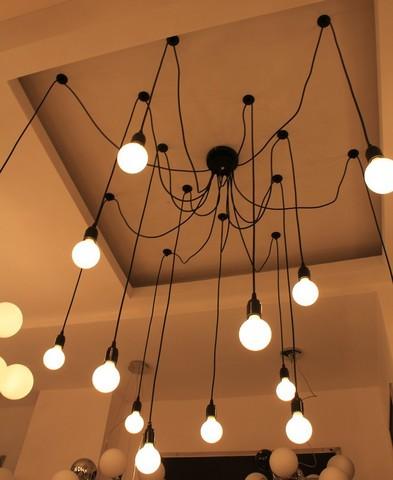 Потолок из лампочек своими руками 25