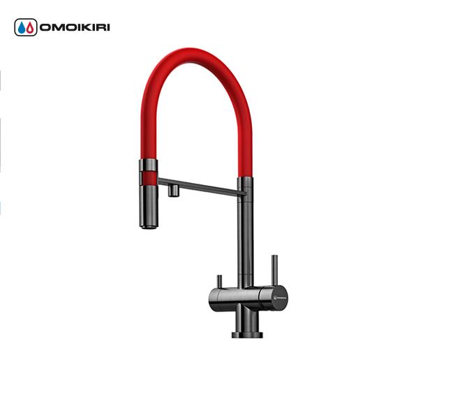 Смеситель для кухни OMOIKIRI Kanto-PVD-GM (4994013)Современный дизайн<br>Смеситель для кухни OMOIKIRI Kanto-PVD-GM (4994013)<br><br><br>Уникальная запатентованная конструкция — сочетание гибкого шланга и подачи фильтрованной воды.<br>Современный дизайн и удобство использования благодаря высокому изливу.<br>Технология PURE LIFE®: подключение фильтра для очистки воды. Фильтрованная вода подается по отдельной трубке и не смешивается с водопроводной водой.<br>Высококачественная латунь без содержания свинца сохранит воду чистой и здоровой.<br>Аэратор с регулятором расхода воды произведен из специального полимерного материала, благодаря чему на нем никогда не появится известкового налета и ржавчины.<br>Коробка внутри проложена поролоном, который обеспечит сохранность изделия при транспортировке.<br>Полный набор креплений.<br>Возможна замена гибкого шланга на шланг другого цвета (докупается отдельно).<br><br>Cмесители для кухни OMOIKIRI серии PURE LIFE®.<br><br><br>Обзор смесителей OMOIKIRI<br><br>Официальный дилер OMOIKIRI™<br>