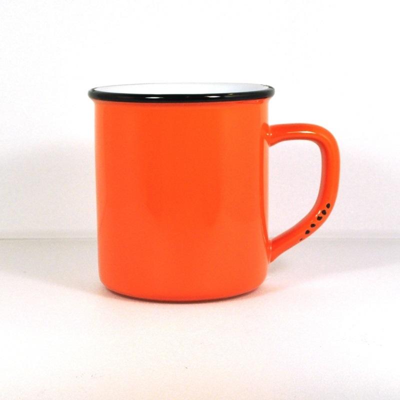 Винтажная кружка оранжевая (Фарфор и керамика Antic Line)Фарфор и керамика Antic Line<br>Винтажная кружка оранжевая  <br>400 мл, высота 10 см <br>Керамика, стилизовано под эмалированный металл     <br>Antic Line, Франция<br>