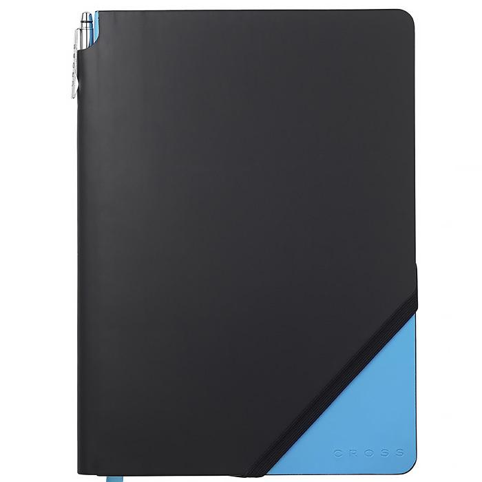 Записная книжка Cross Jot Zone, большая, 160 страниц в линейку, ручка в комплектеCROSS<br>Записная книжка СROSS Jot Zone - это настоящая революция стиля, очень универсальный и практичный подарок для делового человека. В Вашем распоряжении 160 страниц высочайшего качества (100 г. на кв. м.). Безупречно белые перфорированные страницы имеют горизонтальную линейку среднего размера. Записная книжка СROSS также комплектуется фирменной ручкой в  длины.  Корпус ручки: латунь Отделка и детали дизайна ручки: латунь и хром<br>Ручка имеет бессрочную механическую гарантию.<br>Отличительная черта записной книжки CROSS – фирменная ручка в боковом кармашке и наличие тканевой ленты-закладки.<br>