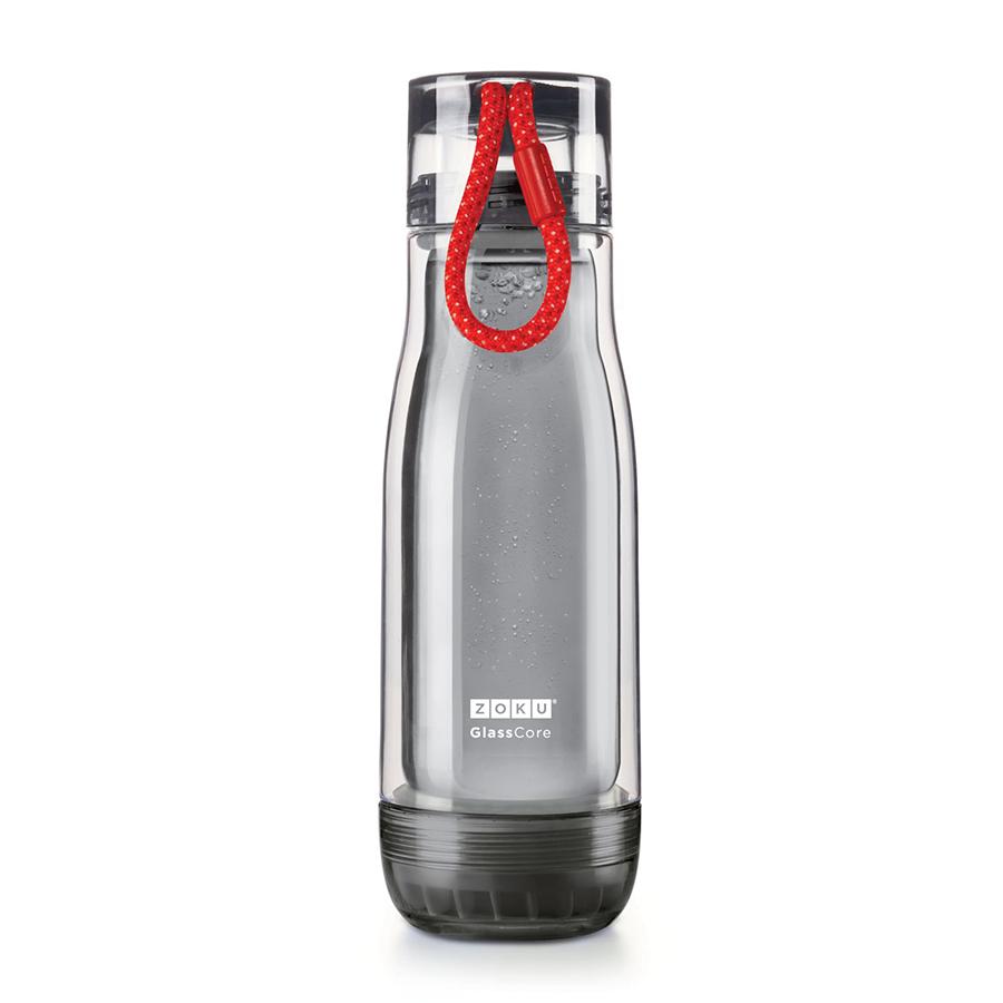 Бутылка Zoku Active 480 мл красная ZK128-AC-RDБутылочки<br>Бутылка Zoku Active 480 мл красная ZK128-AC-RD<br><br>Компактная бутылка Zoku Active идеально подойдет для тех кто регулярно занимается спортом и любит активный образ жизни. Герметичная конструкция защитит напитки от пролития а силиконовые накладки не дадут изделию разбиться при падении. В качестве основного материала изготовления производителем было использовано боросиликатное стекло за счет чего бутылка имеет не только привлекательный внешний вид но и высокую износостойкость. В нее можно налить как холодные так и горячие напитки температура которых будет поддерживаться длительное время благодаря плотной фиксации крышки и двойным стенкам корпуса. Доступные цветовые решения: красный голубой синий зеленый фиолетовый.<br>