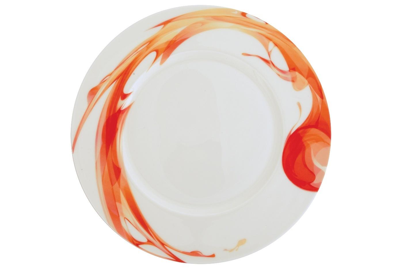 Набор из 6 тарелок Royal Aurel Фиеста (25см) арт.635Наборы тарелок<br>Набор из 6 тарелок Royal Aurel Фиеста (25см) арт.635<br>Производить посуду из фарфора начали в Китае на стыке 6-7 веков. Неустанно совершенствуя и селективно отбирая сырье для производства посуды из фарфора, мастерам удалось добиться выдающихся характеристик фарфора: белизны и тонкостенности. В XV веке появился особый интерес к китайской фарфоровой посуде, так как в это время Европе возникла мода на самобытные китайские вещи. Роскошный китайский фарфор являлся изыском и был в новинку, поэтому он выступал в качестве подарка королям, а также знатным людям. Такой дорогой подарок был очень престижен и по праву являлся элитной посудой. Как известно из многочисленных исторических документов, в Европе китайские изделия из фарфора ценились практически как золото. <br>Проверка изделий из костяного фарфора на подлинность <br>По сравнению с производством других видов фарфора процесс производства изделий из настоящего костяного фарфора сложен и весьма длителен. Посуда из изящного фарфора - это элитная посуда, которая всегда ассоциируется с богатством, величием и благородством. Несмотря на небольшую толщину, фарфоровая посуда - это очень прочное изделие. Для демонстрации плотности и прочности фарфора можно легко коснуться предметов посуды из фарфора деревянной палочкой, и тогда мы услушим характерный металлический звон. В составе фарфоровой посуды присутствует костяная зола, благодаря чему она может быть намного тоньше (не более 2,5 мм) и легче твердого или мягкого фарфора. Безупречная белизна - ключевой признак отличия такого фарфора от других. Цвет обычного фарфора сероватый или ближе к голубоватому, а костяной фарфор будет всегда будет молочно-белого цвета. Характерная и немаловажная деталь - это невесомая прозрачность изделий из фарфора такая, что сквозь него проходит свет.<br>