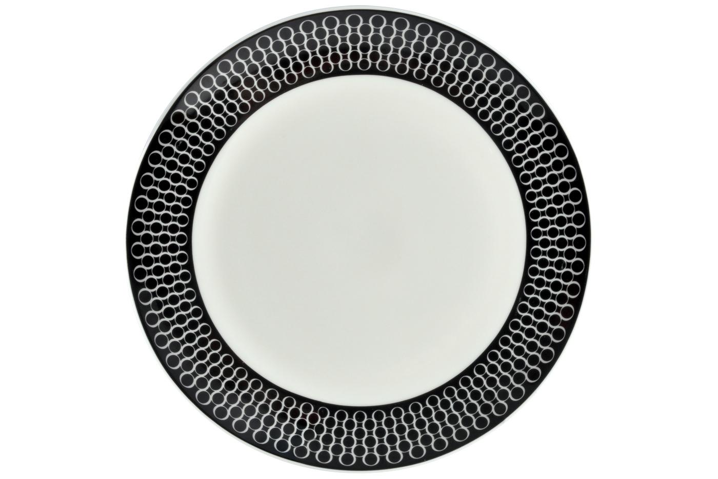 Набор из 6 тарелок Royal Aurel Верона (25см) арт.623Наборы тарелок<br>Набор из 6 тарелок Royal Aurel Верона (25см) арт.623<br>Производить посуду из фарфора начали в Китае на стыке 6-7 веков. Неустанно совершенствуя и селективно отбирая сырье для производства посуды из фарфора, мастерам удалось добиться выдающихся характеристик фарфора: белизны и тонкостенности. В XV веке появился особый интерес к китайской фарфоровой посуде, так как в это время Европе возникла мода на самобытные китайские вещи. Роскошный китайский фарфор являлся изыском и был в новинку, поэтому он выступал в качестве подарка королям, а также знатным людям. Такой дорогой подарок был очень престижен и по праву являлся элитной посудой. Как известно из многочисленных исторических документов, в Европе китайские изделия из фарфора ценились практически как золото. <br>Проверка изделий из костяного фарфора на подлинность <br>По сравнению с производством других видов фарфора процесс производства изделий из настоящего костяного фарфора сложен и весьма длителен. Посуда из изящного фарфора - это элитная посуда, которая всегда ассоциируется с богатством, величием и благородством. Несмотря на небольшую толщину, фарфоровая посуда - это очень прочное изделие. Для демонстрации плотности и прочности фарфора можно легко коснуться предметов посуды из фарфора деревянной палочкой, и тогда мы услушим характерный металлический звон. В составе фарфоровой посуды присутствует костяная зола, благодаря чему она может быть намного тоньше (не более 2,5 мм) и легче твердого или мягкого фарфора. Безупречная белизна - ключевой признак отличия такого фарфора от других. Цвет обычного фарфора сероватый или ближе к голубоватому, а костяной фарфор будет всегда будет молочно-белого цвета. Характерная и немаловажная деталь - это невесомая прозрачность изделий из фарфора такая, что сквозь него проходит свет.<br>