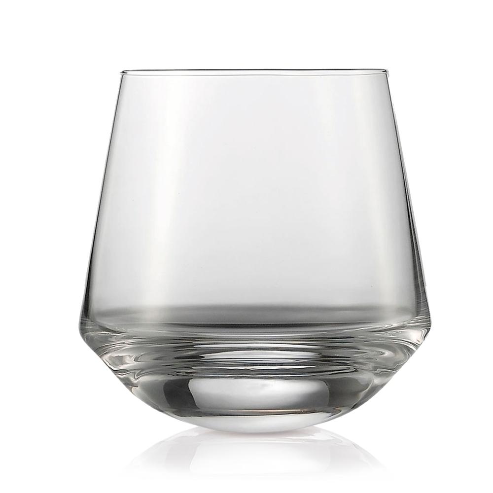 Набор из 2 танцующих стаканов для виски 396 мл SCHOTT ZWIESEL Bar Special арт. 116 563-2Бокалы и стаканы<br>Набор из 2 танцующих стаканов для виски 396 мл SCHOTT ZWIESEL Bar Special арт. 116 563-3<br><br>вид упаковки: подарочнаявысота (см): 9.6диаметр (см): 9.6материал: хрустальное стеклоназначение: для вискиобъем (мл): 397предметов в наборе (штук): 2страна: Германия<br>Само название серии Bar special говорит о том, что эти бокалы и аксессуары созданы для бара. Однако, благодаря приятному дизайну и изящным формам, применение коллекции Bar special выходит далеко за пределы барных стоек: волшебный блеск хрустального стекла достойно украсит и праздничный стол, и повседневный домашний ужин.<br>Любой напиток в прозрачных бокалах Bar special заиграет всеми красками, сохраняя свой неповторимый вкус и прохладу. А стильное ведерко для льда, той же серии, гармонично дополнит композицию на вашем столе. Великолепный дизайн ведерка, толстые стенки и удобные ручки — все это продумано до мелочей.<br>